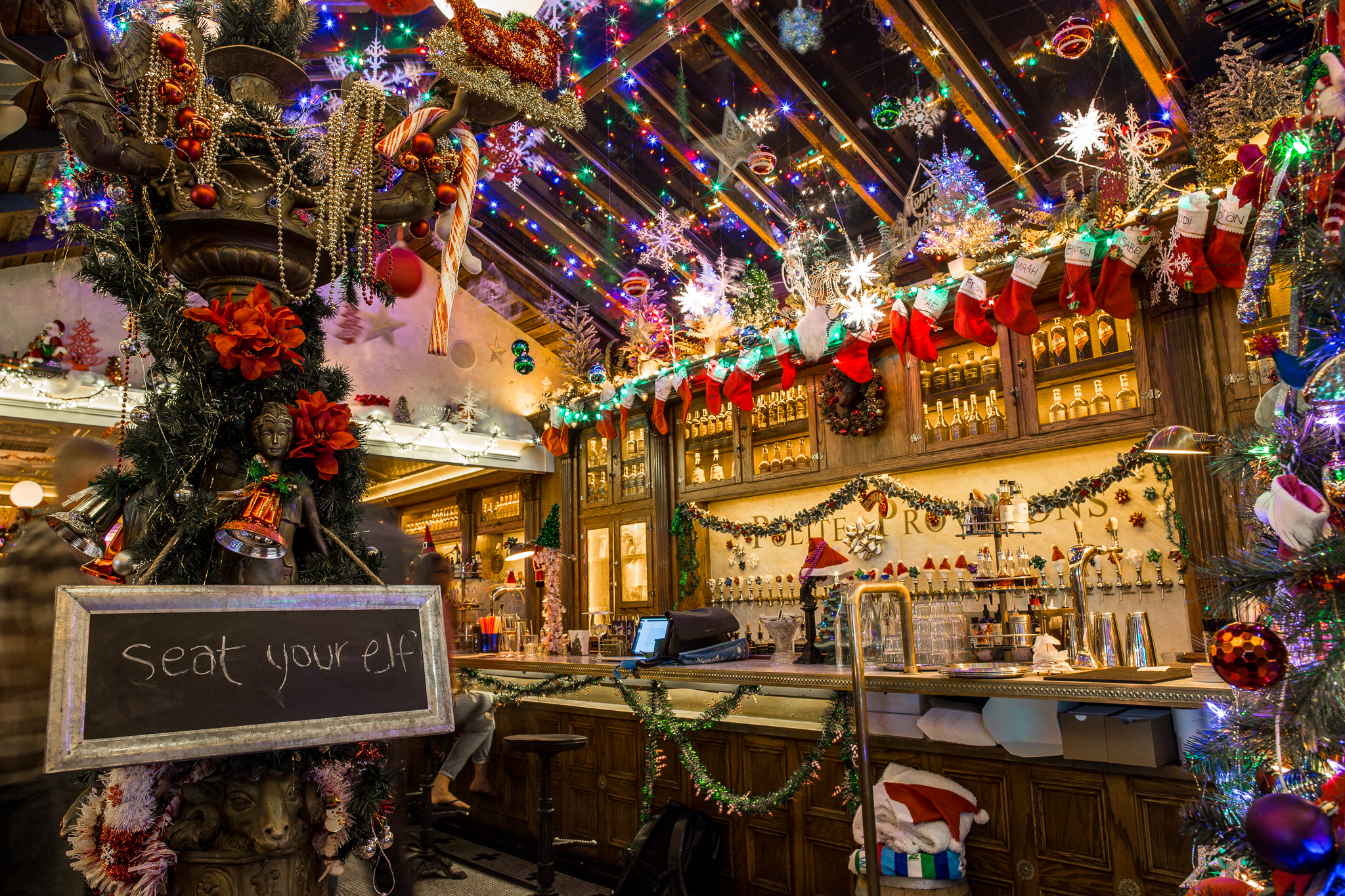 Hugely Popular Christmas Pop-Up Bar to Hit New Orleans for the First Time