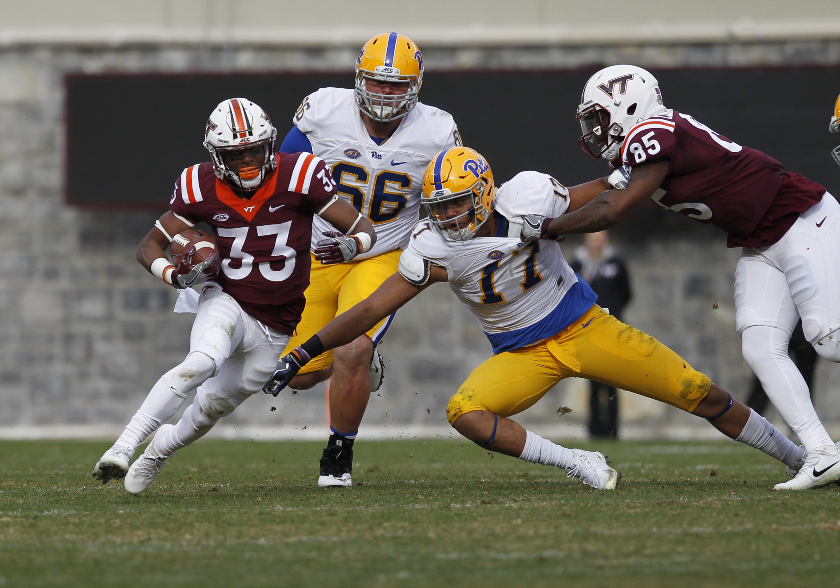 COLLEGE FOOTBALL: NOV 18 Pitt at Virginia Tech