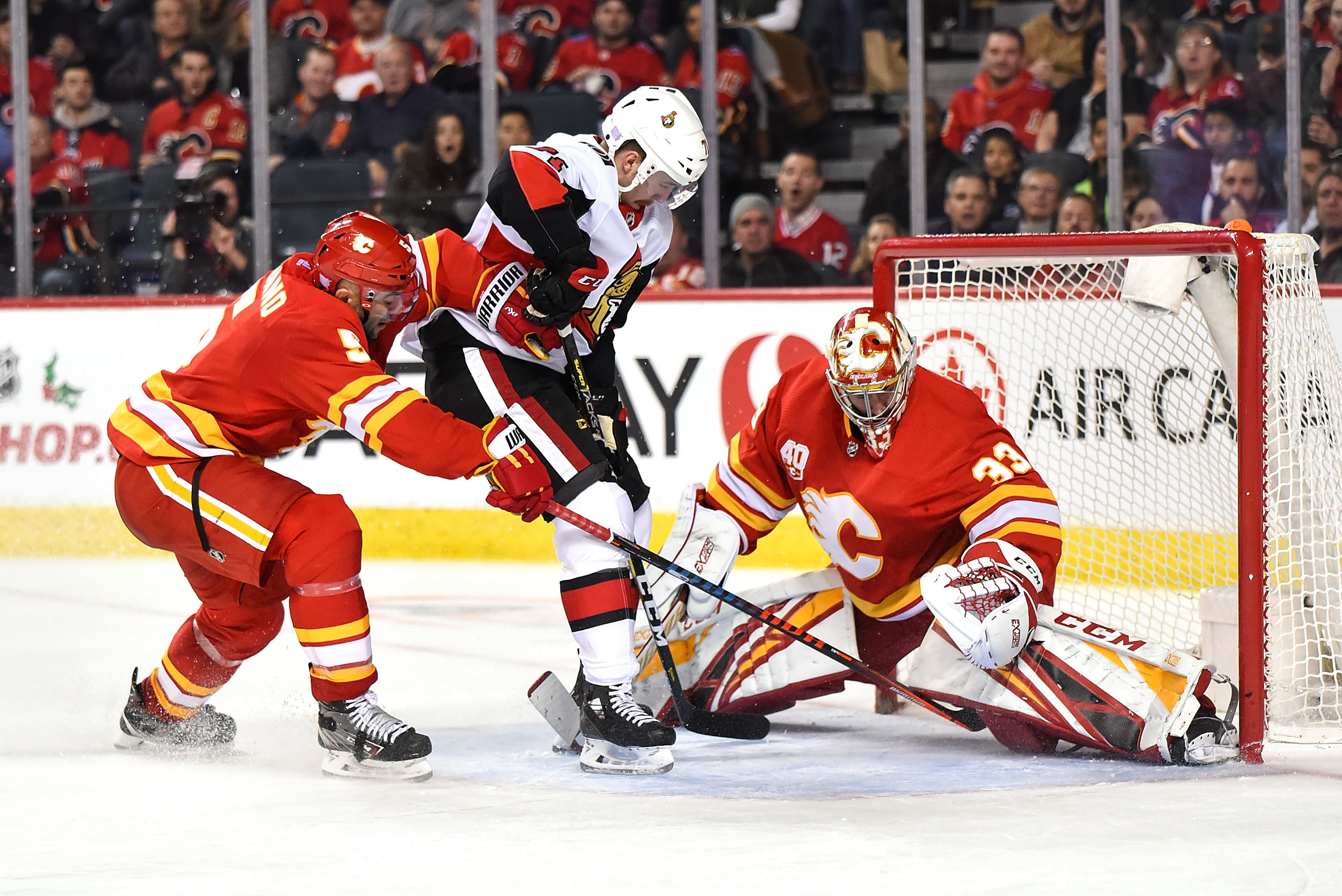 NHL: NOV 30 Senators at Flames