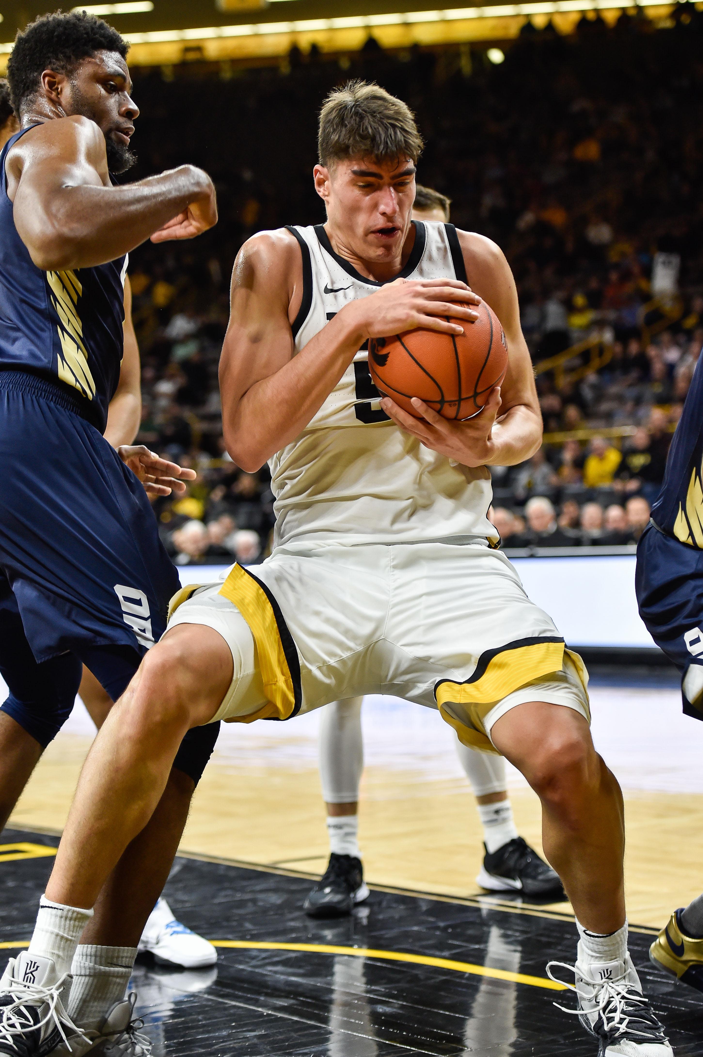 NCAA Basketball: Oral Roberts at Iowa