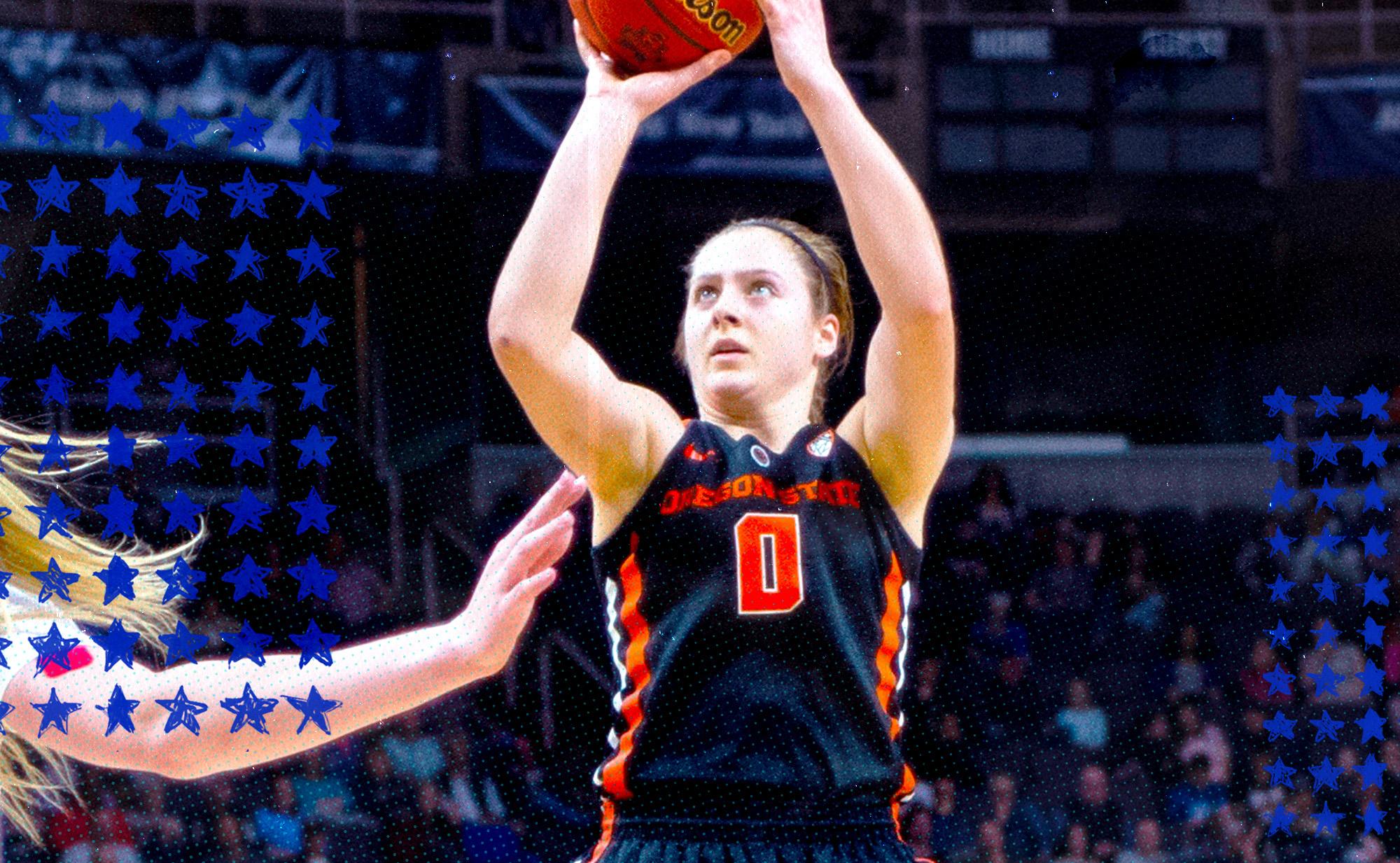 Oregon State Beavers Guard Mikayla Pivec shoots a jump shot