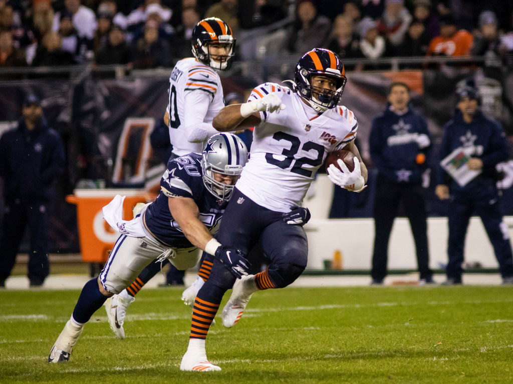 Bears running back David Montgomery carries the ball against the Cowboys.
