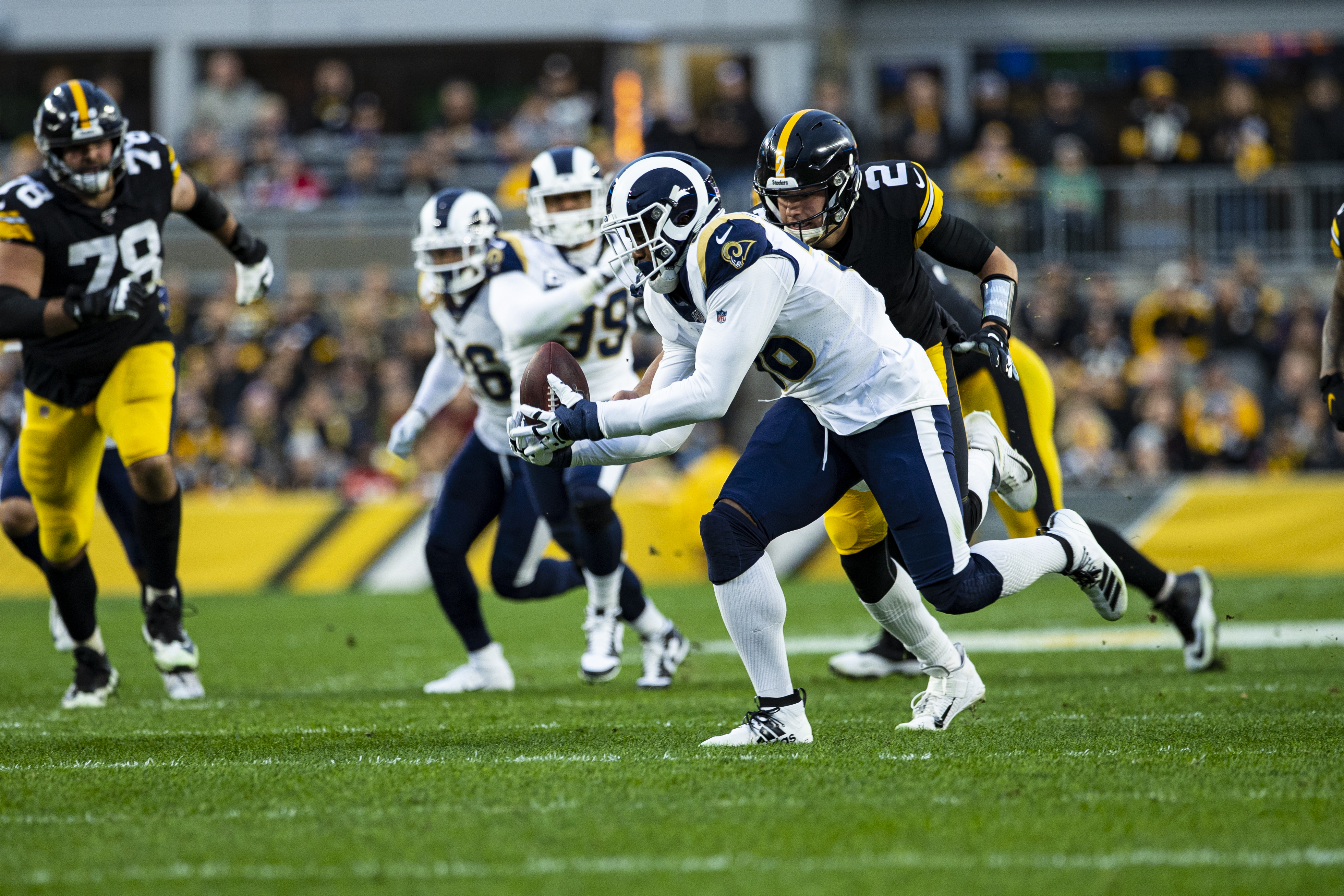 NFL: NOV 10 Rams at Steelers