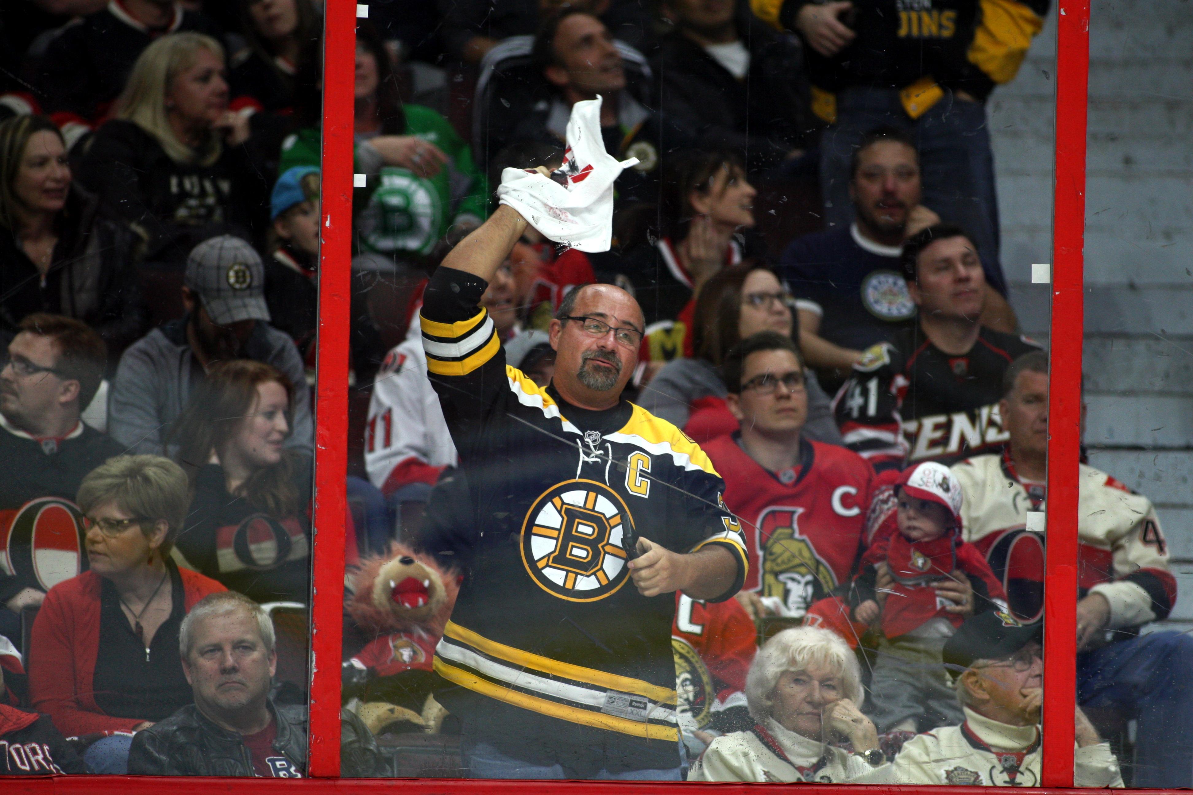 NHL: APR 12 Round 1 Game 1 - Bruins at Senators