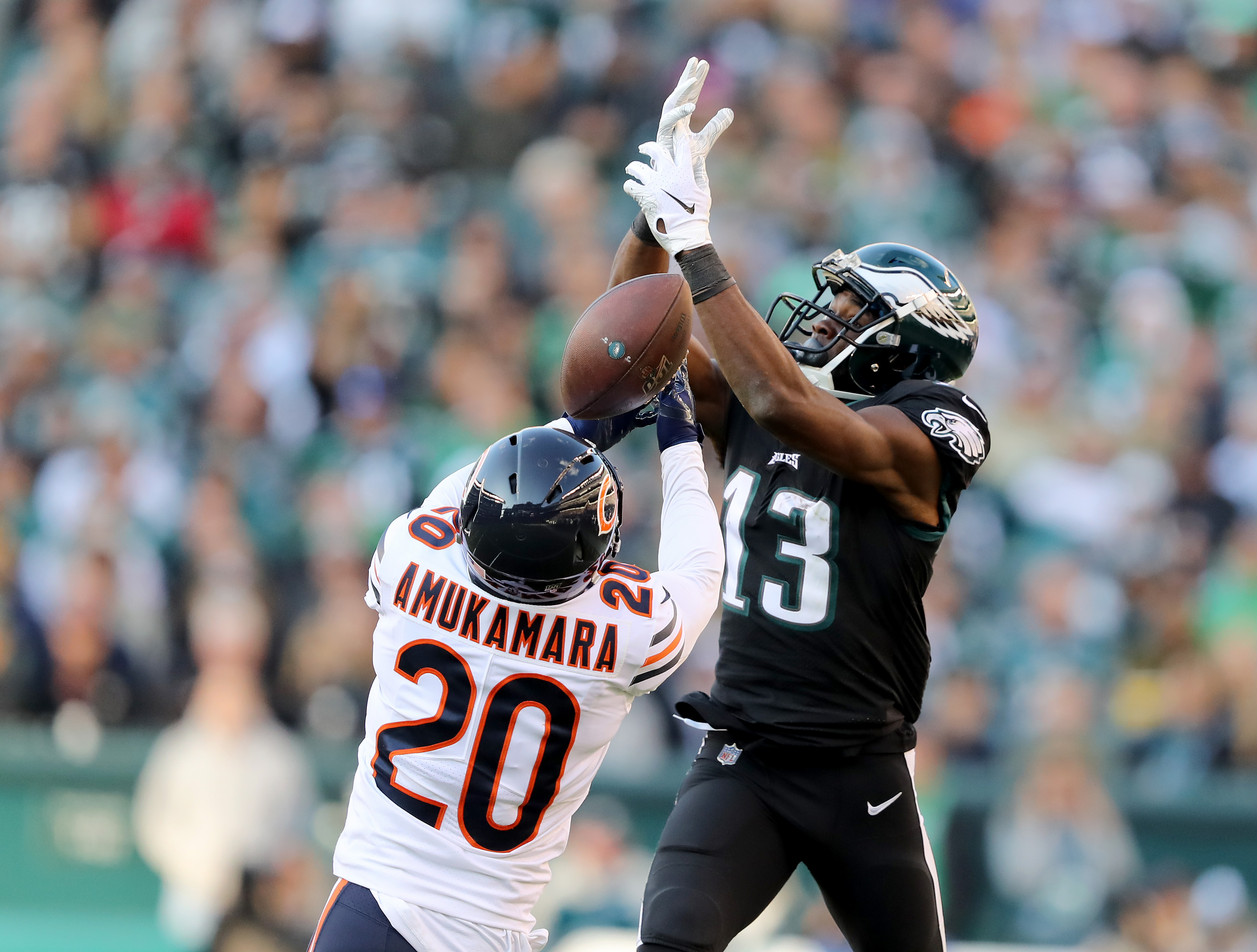 Bears cornerback Prince Amukamara breaks up a pass against the Eagles.