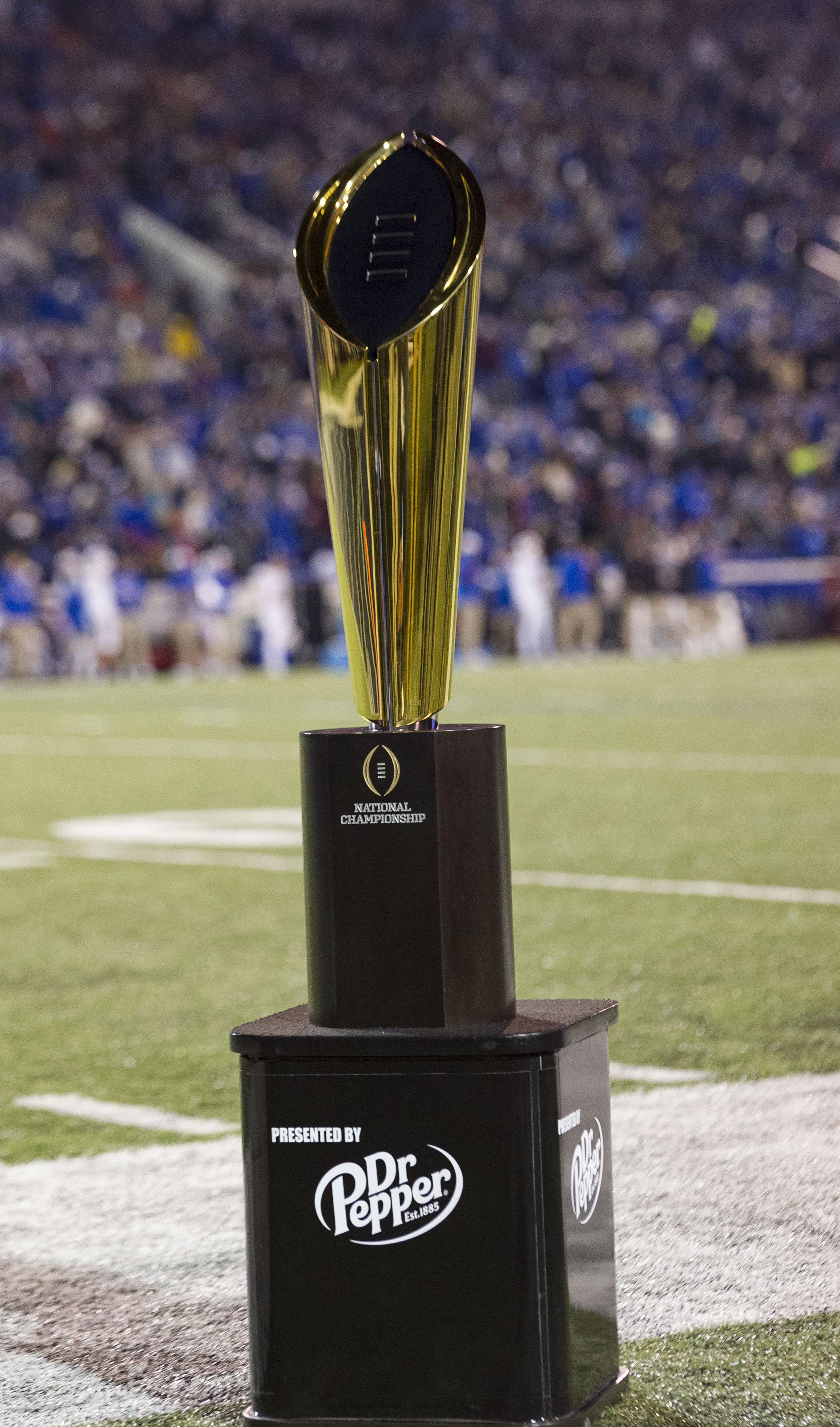 NCAA Football: Southern Methodist at Memphis