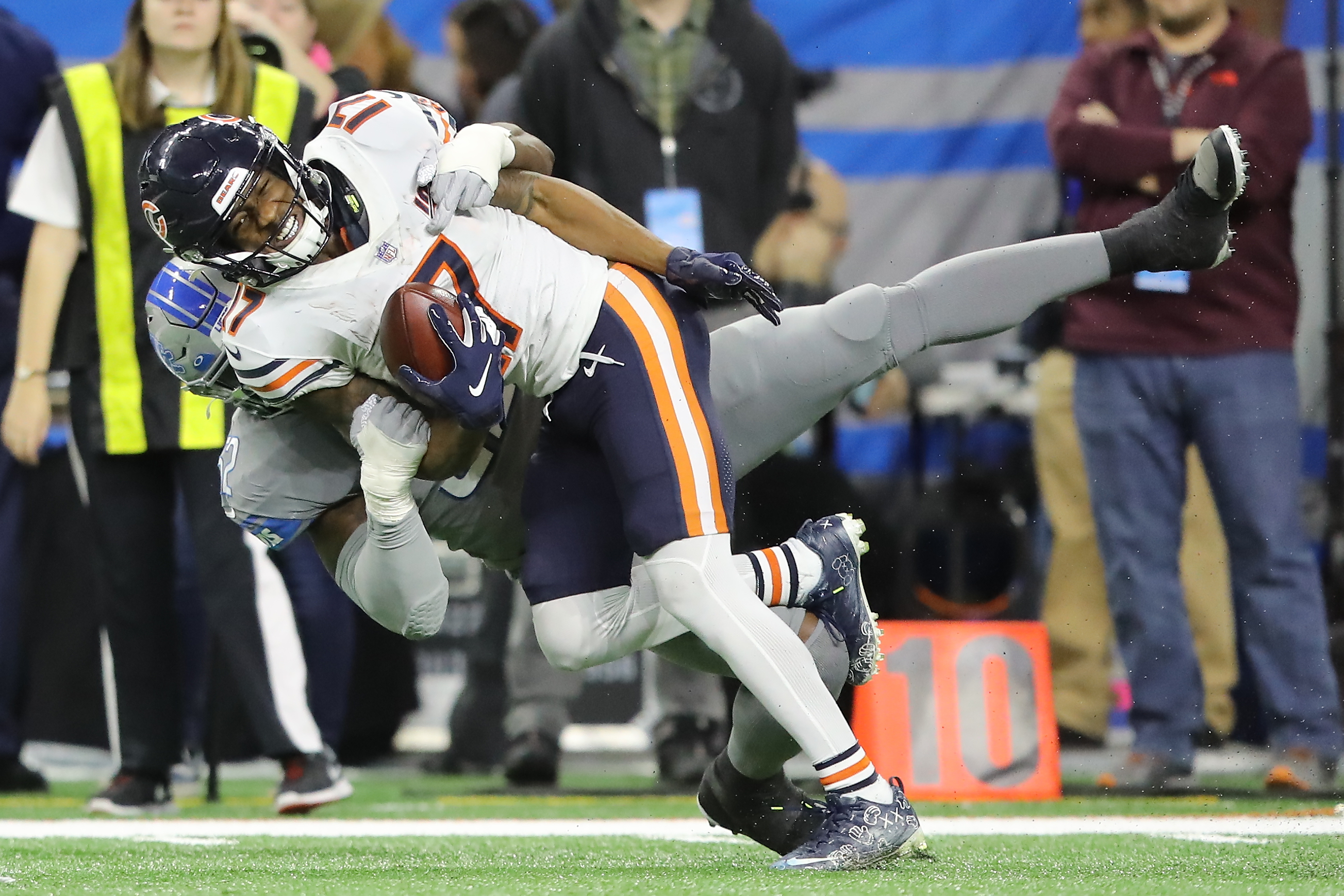 Bears wide receiver Anthony Miller (17, making a catch against Lions linebacker Christian Jones) had nine receptions for 140 yards in the Bears' 24-20 victory over Detroit on Thanksgiving at Ford Field. In his last four games, Miller has 24 receptions for 313 yards (13.0 avg.) and one touchdown.