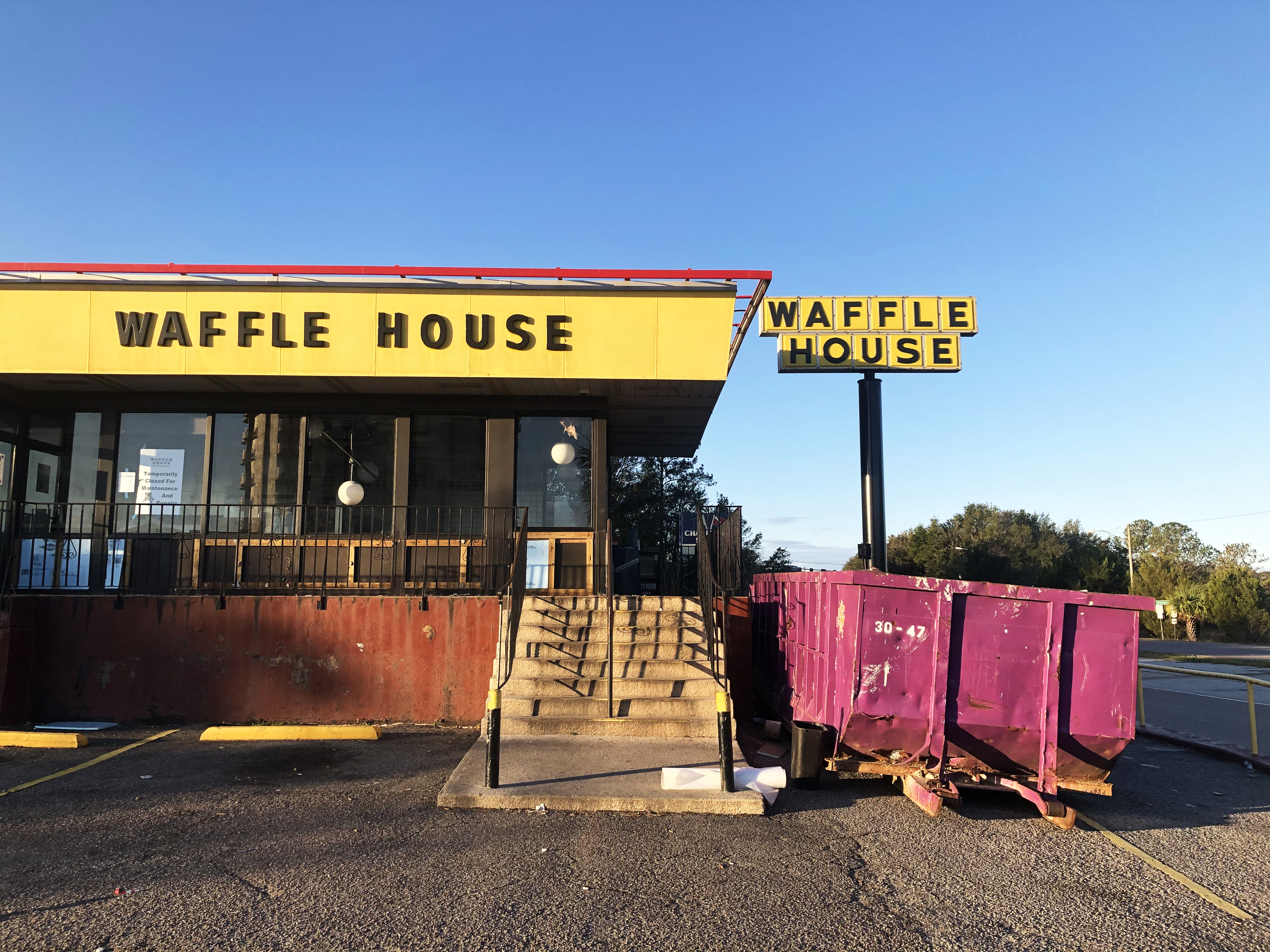 Legendary Charleston Waffle House Takes a Break After 42 Years