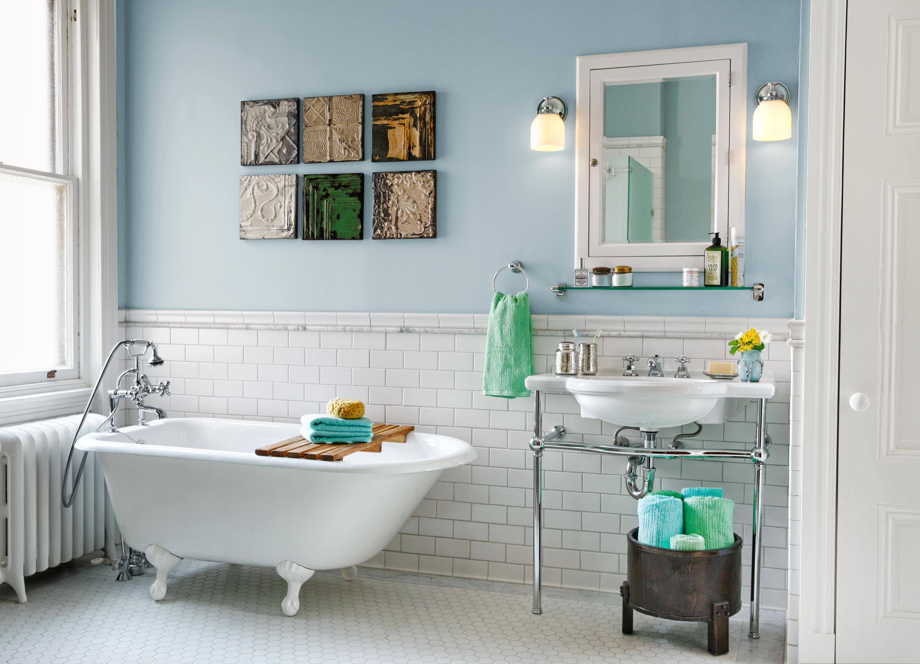 Bathtub With Tile Surround