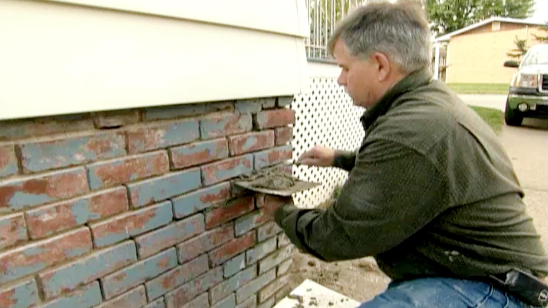 S5 E24, Tom Silva repoints a brick foundation