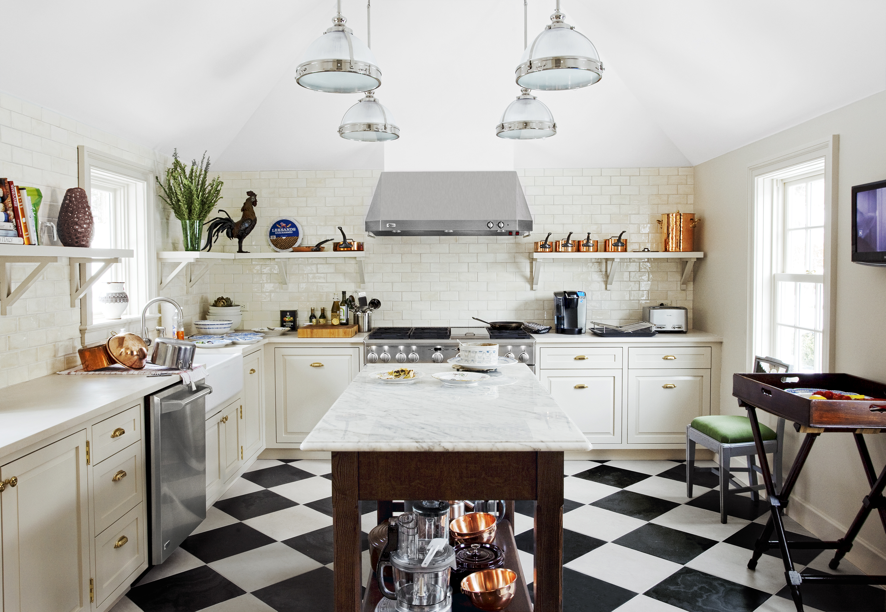 Subway Tile In Traditional Kitchen