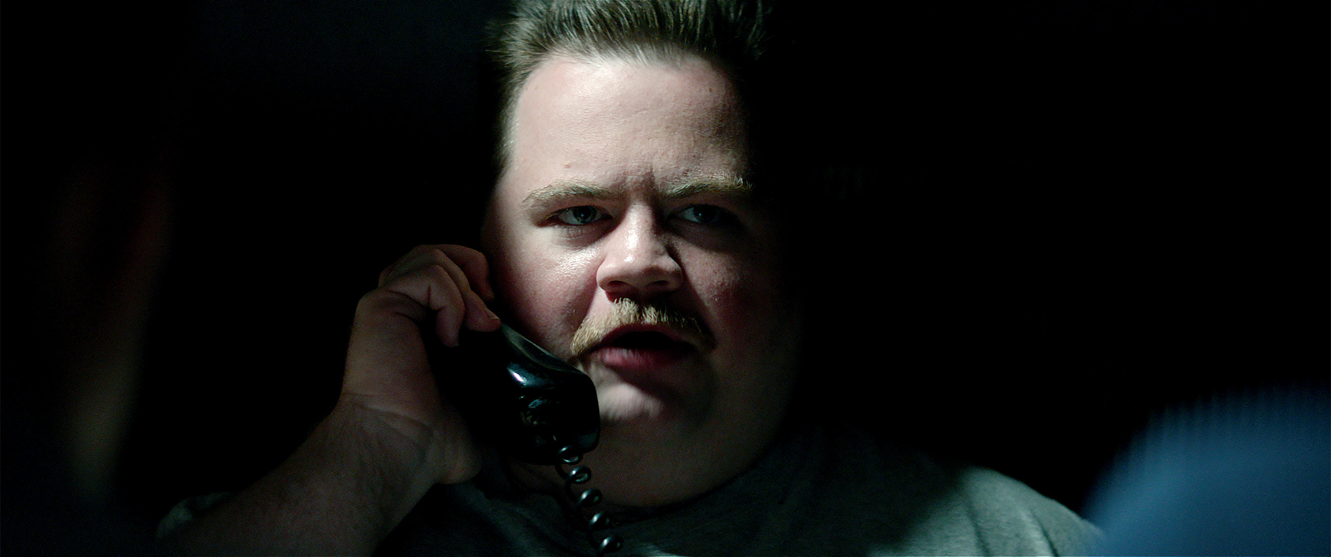 "This image released by Warner Bros. Pictures shows Paul Walter Hauser in a scene from ""Richard Jewell."" (Warner Bros. Pictures via AP)"
