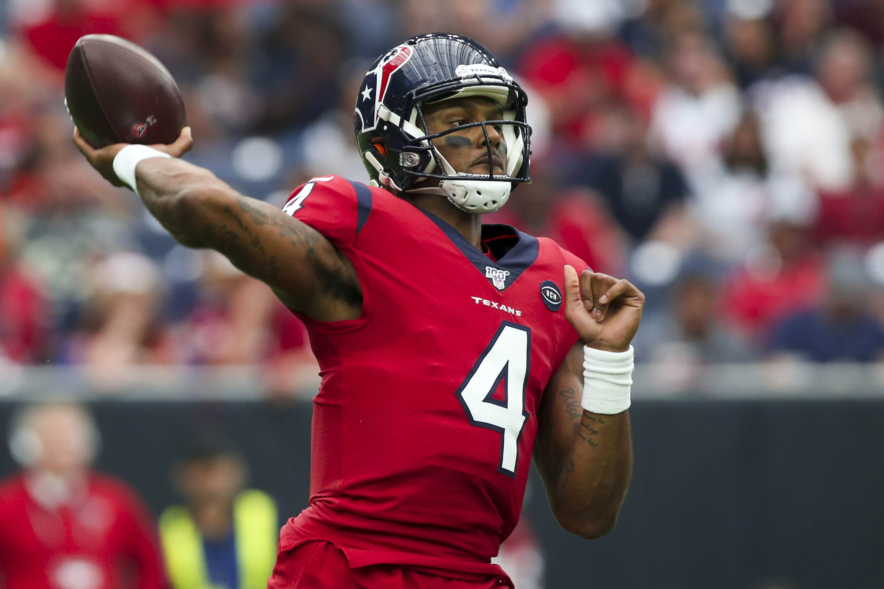 Houston Texans quarterback Deshaun Watson sets up to throw during the second quarter against the Denver Broncos at NRG Stadium.