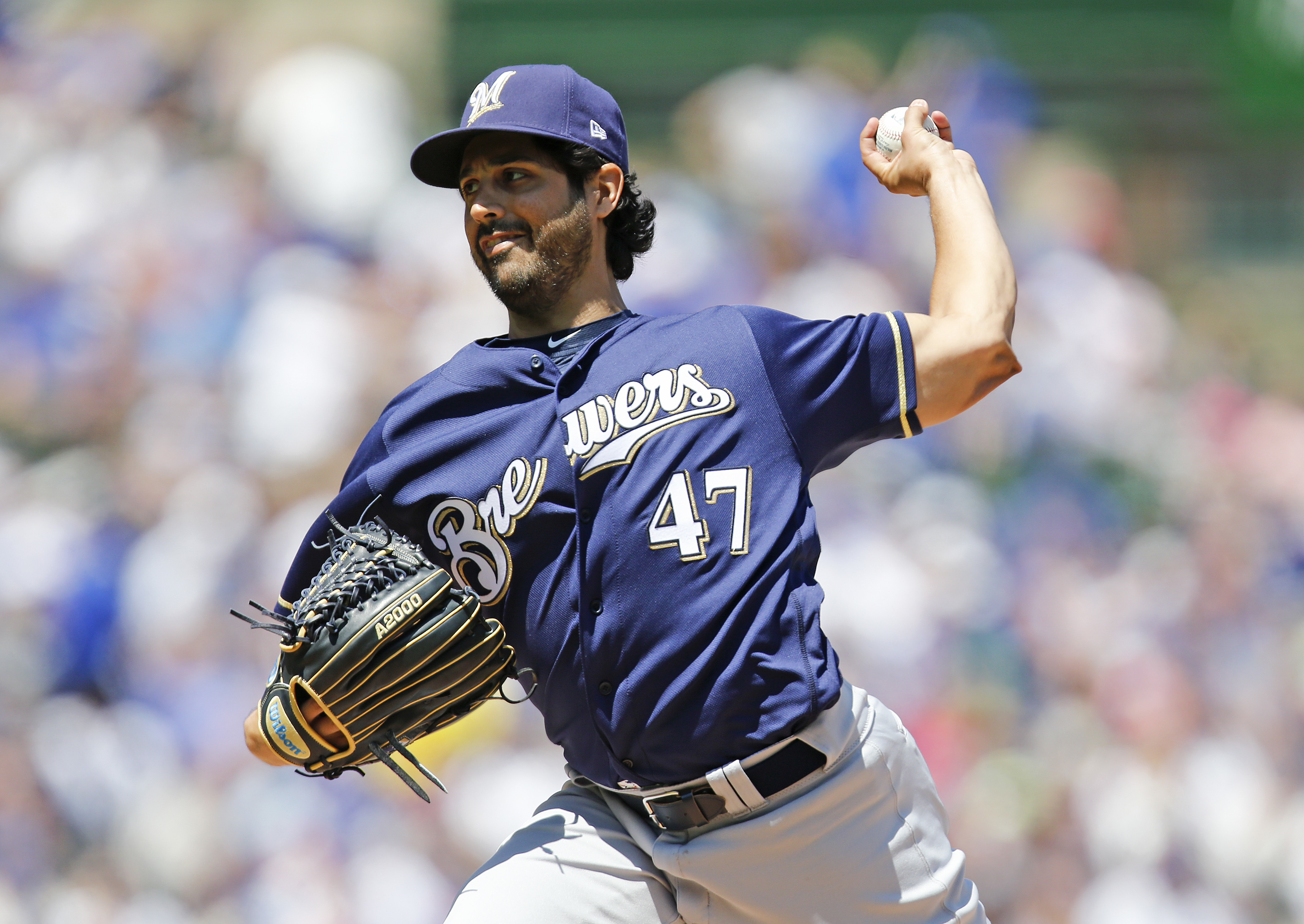 The White Sox are close to signing pitcher Gio Gonzalez.