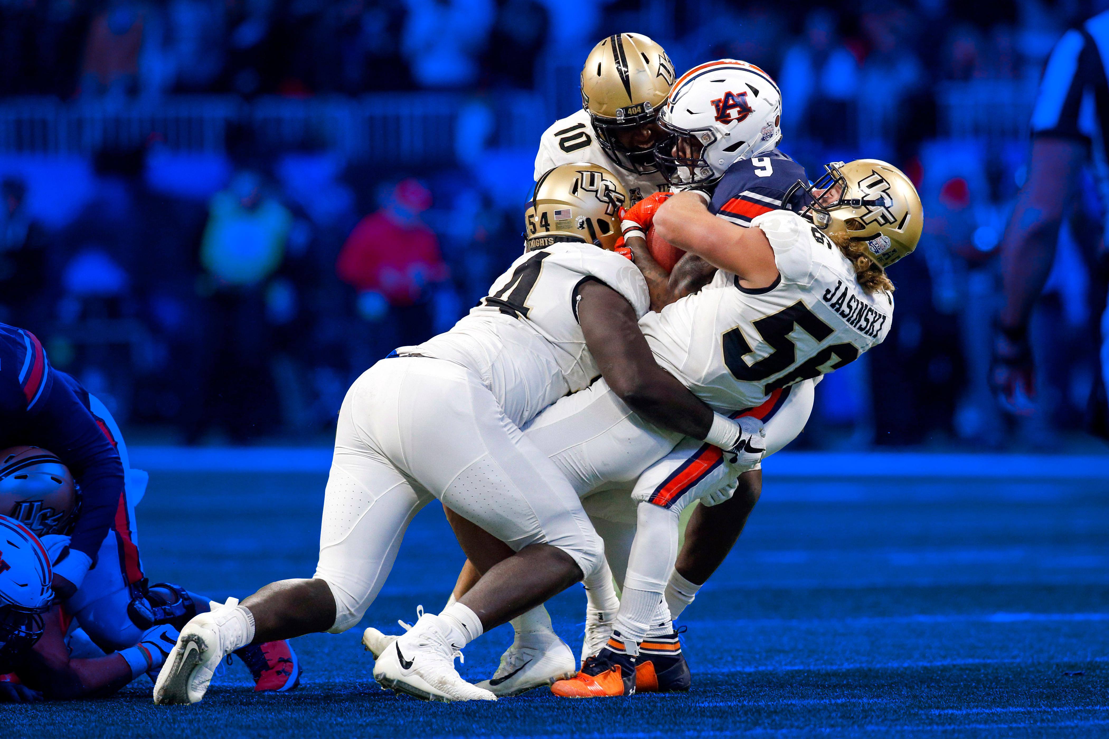 UCF vs. Auburn Peach Bowl tackle