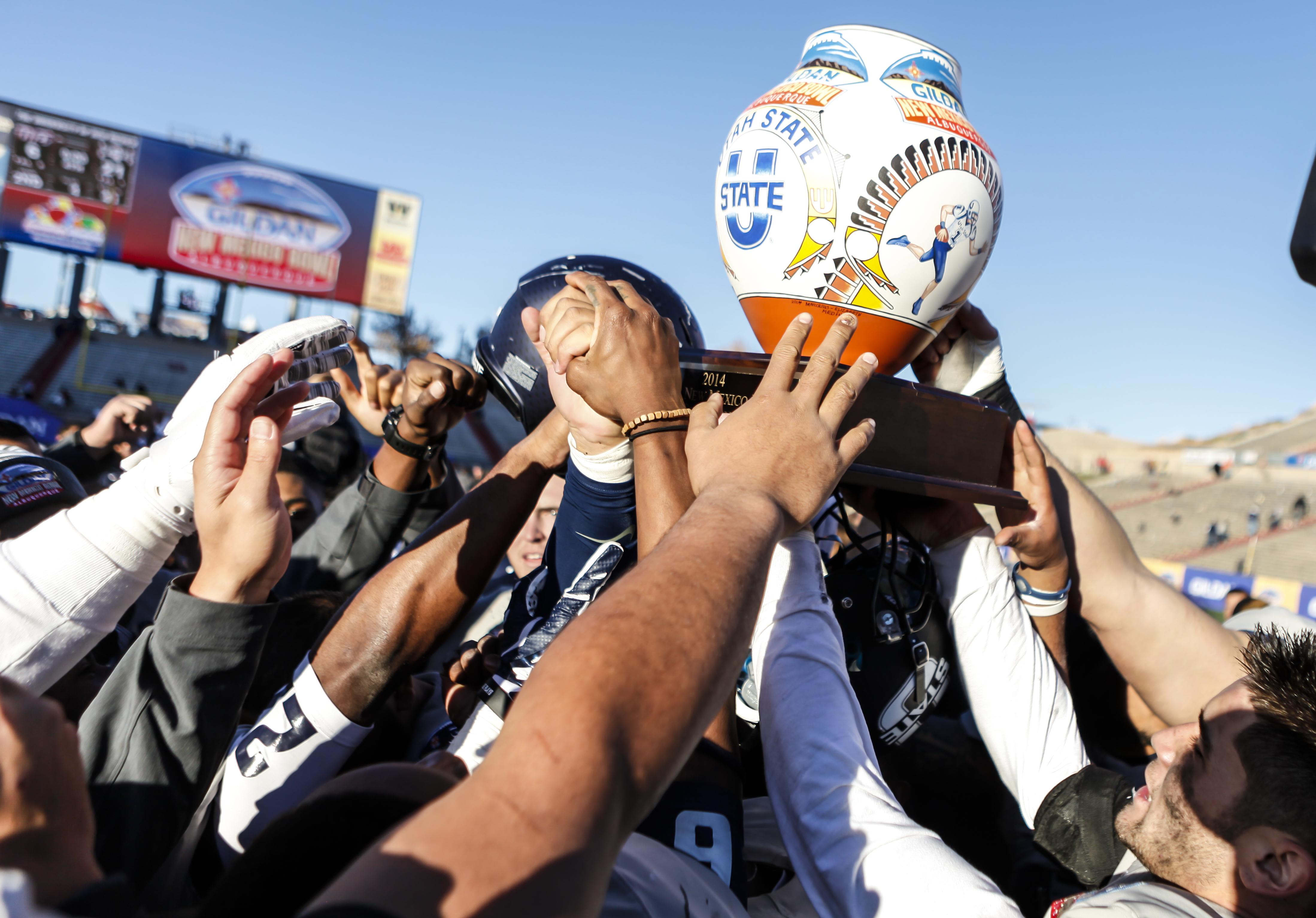 吉尔丹新墨西哥碗-犹他州立大学对UTEP