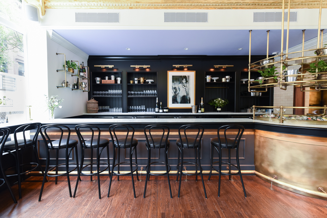 The bar and raw bar at the Riddler