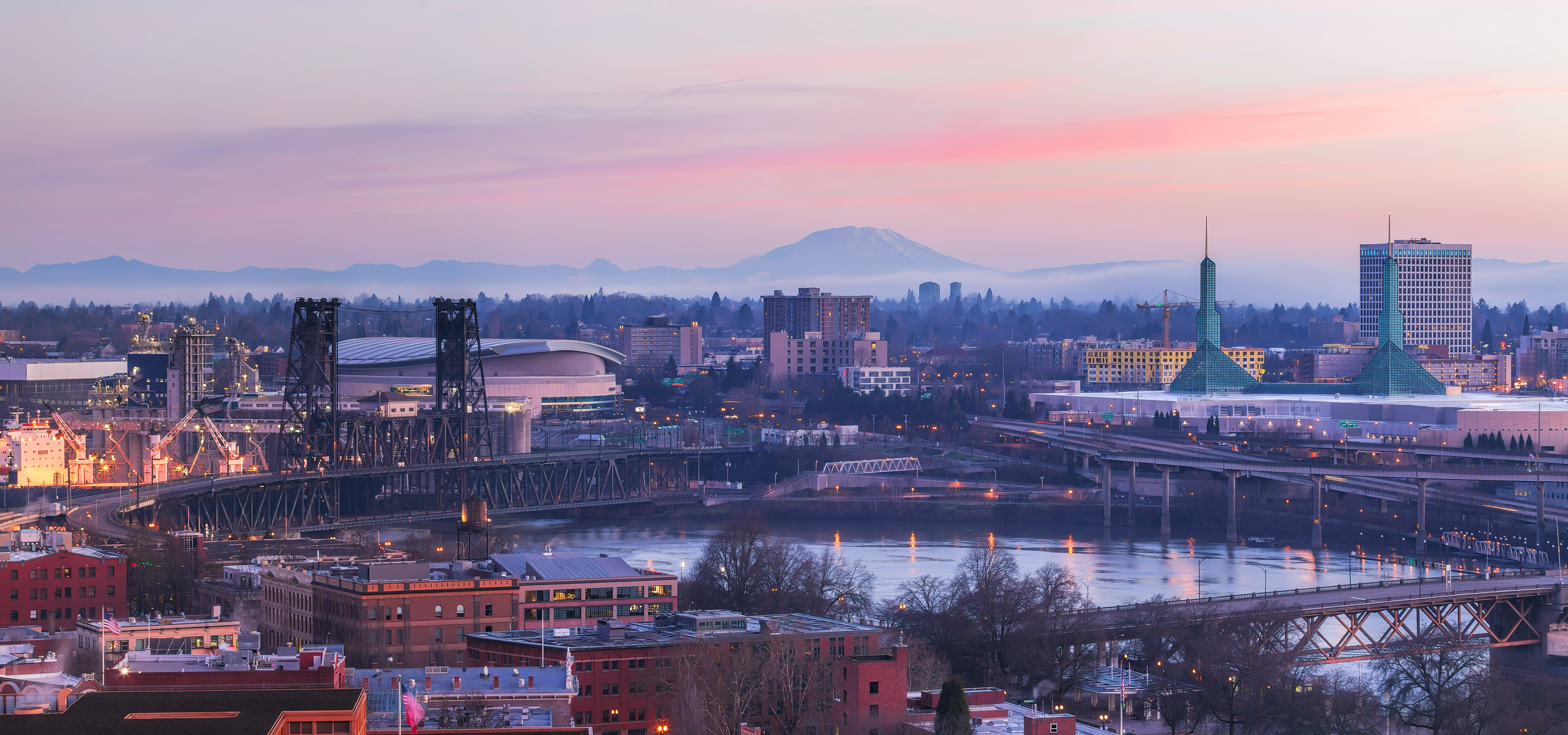 A picture of Portland taken from the West Side, looking onto the Willamette and East Portland