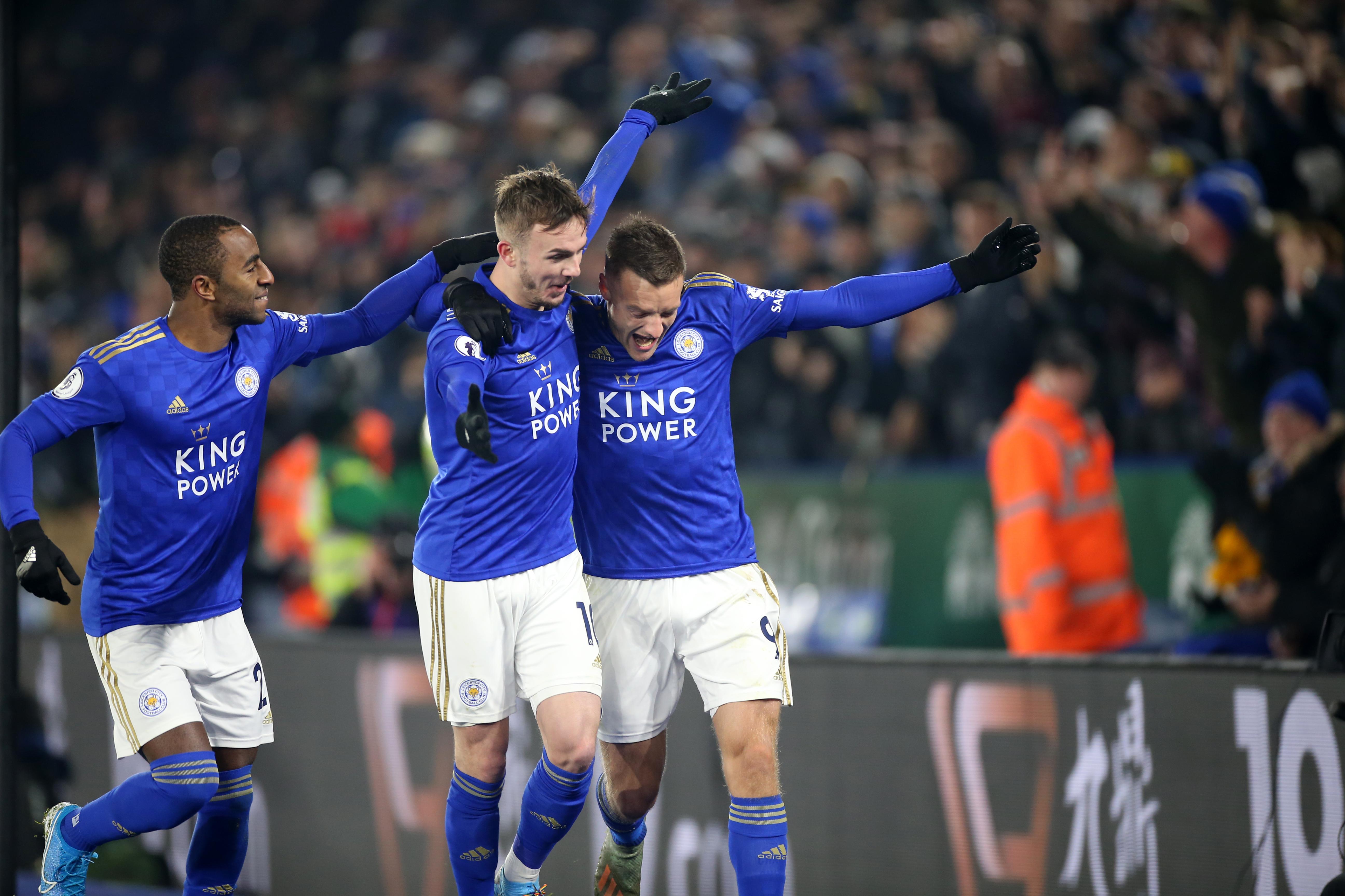 Jamie Vardy celebrates with James Maddison - Leicester City - Premier League