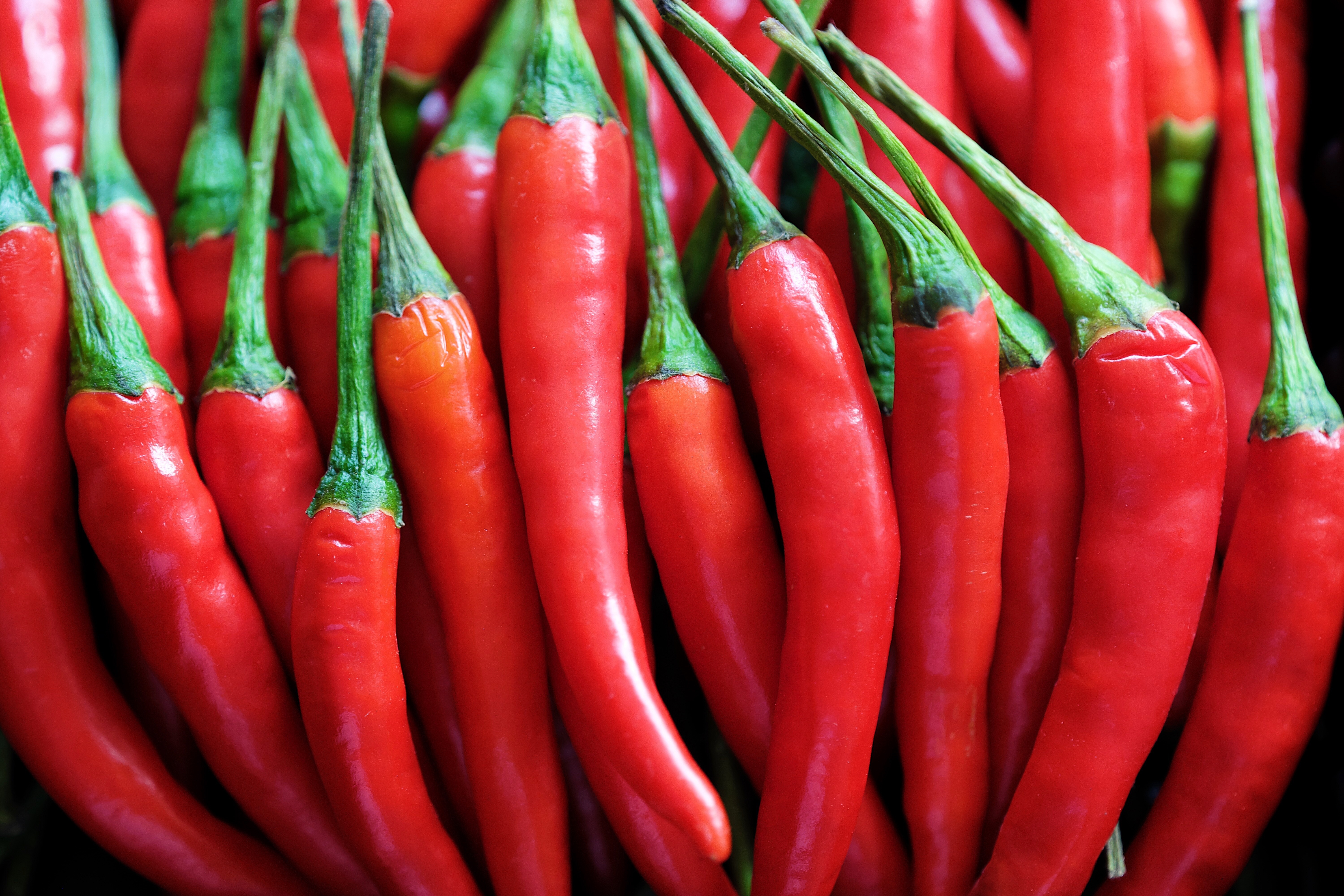 Regularly eatingchilepeppers is linked to a lower risk of death from cardiovascular disease, but experts suggestthe findings don'tnecessarilymean you should drastically spice up your diet.