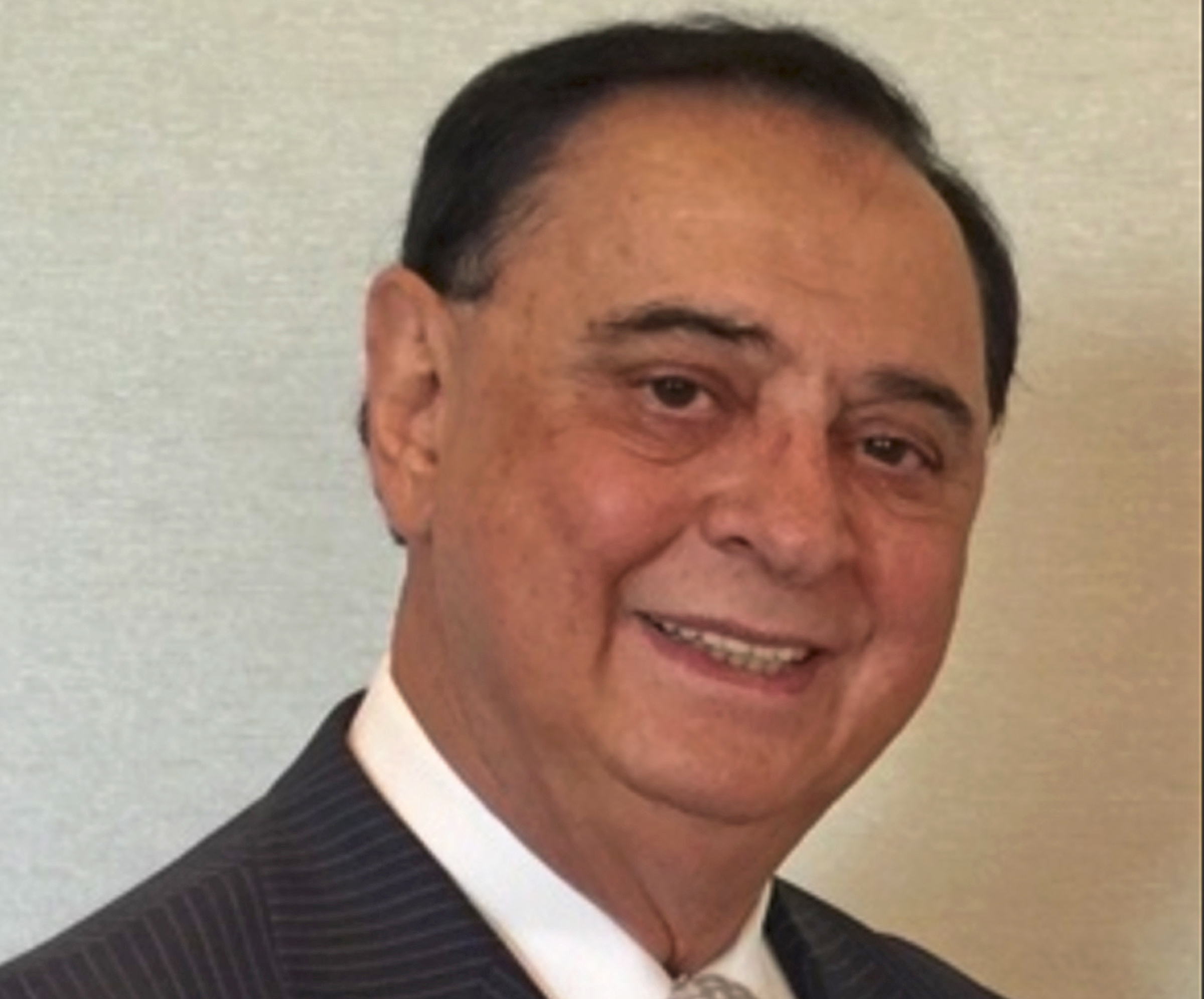 Luis Rossi, who bought La Raza in 1983 and sold it in 2003, died Dec. 26.