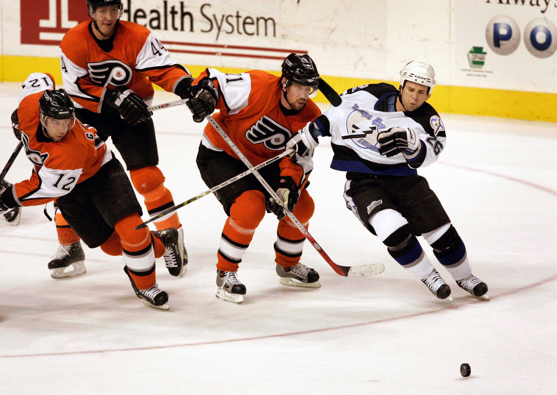 Tampa Bay Lightning vs Philadelphia Flyers - November 22, 2005