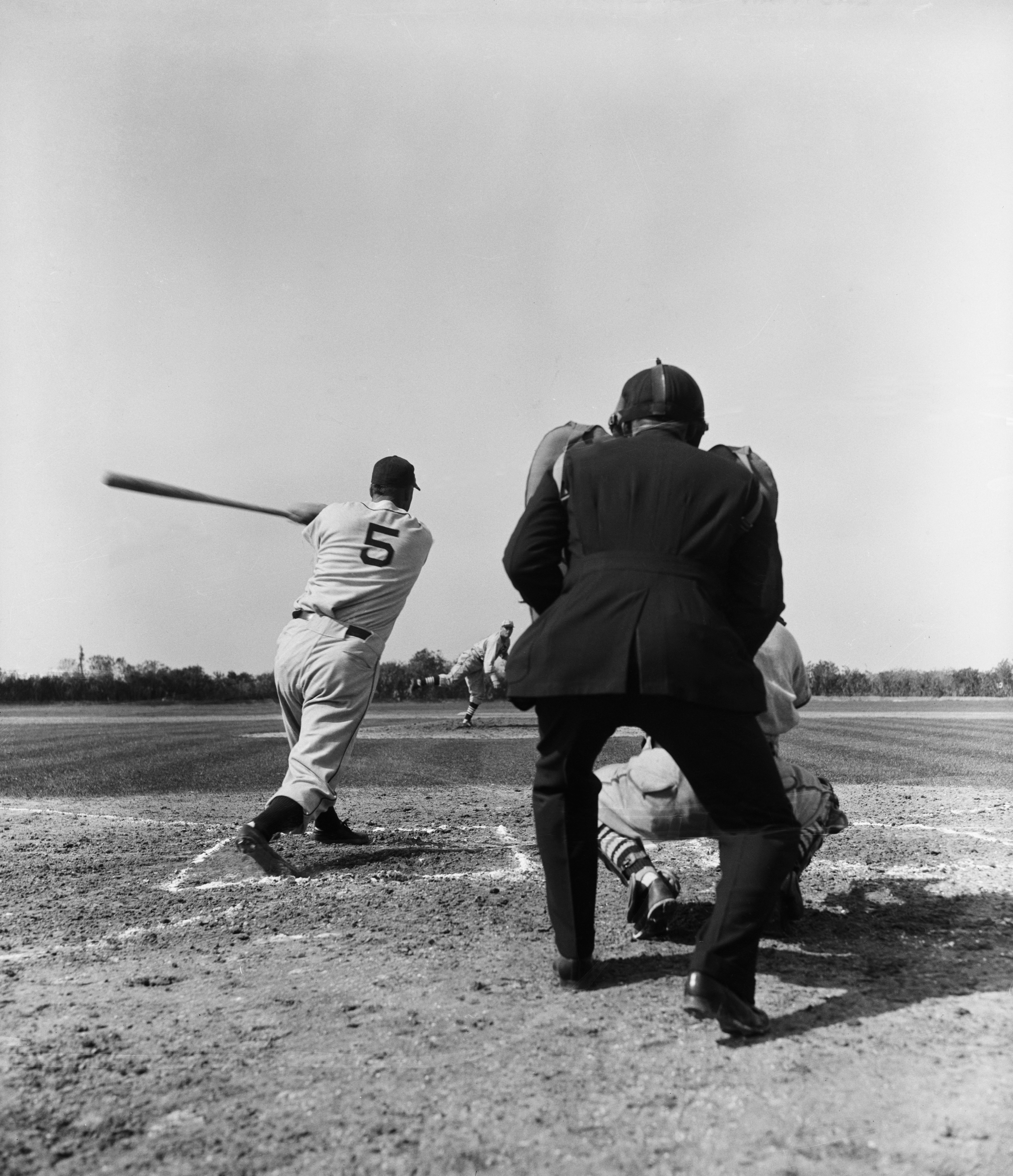 Dizzy Dean Pitching To Hank Greenberg