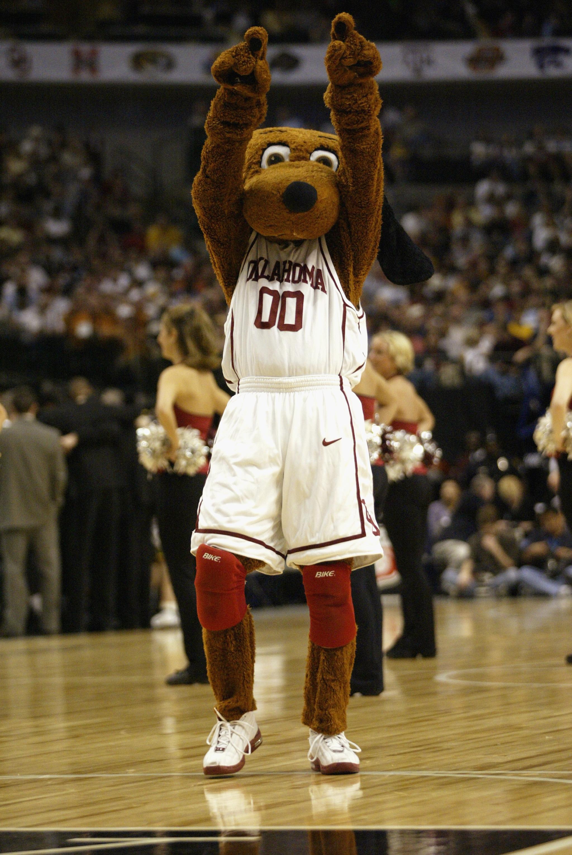 Oklahoma Sooners mascot Top Dawg