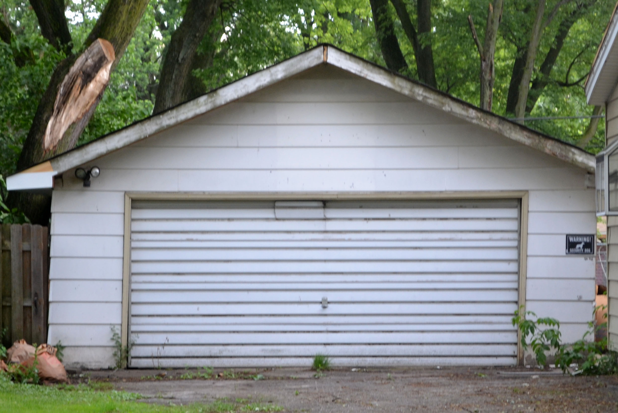 Two garage burglaries were reported Feb. 4 and Feb. 5, 2020 in Rosemoor on the South Side.