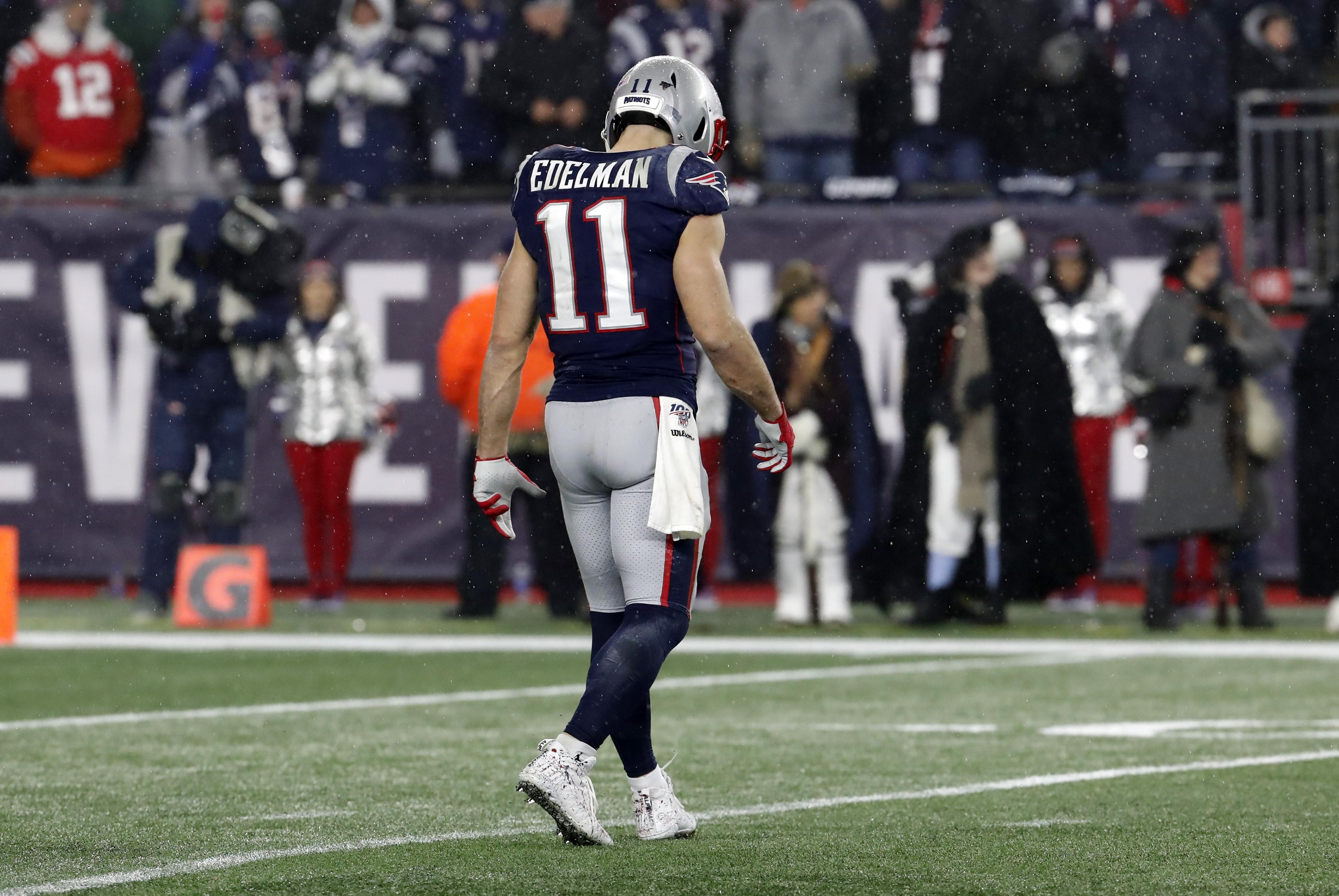 NFL: JAN 04 AFC Wild Card - Titans at Patriots