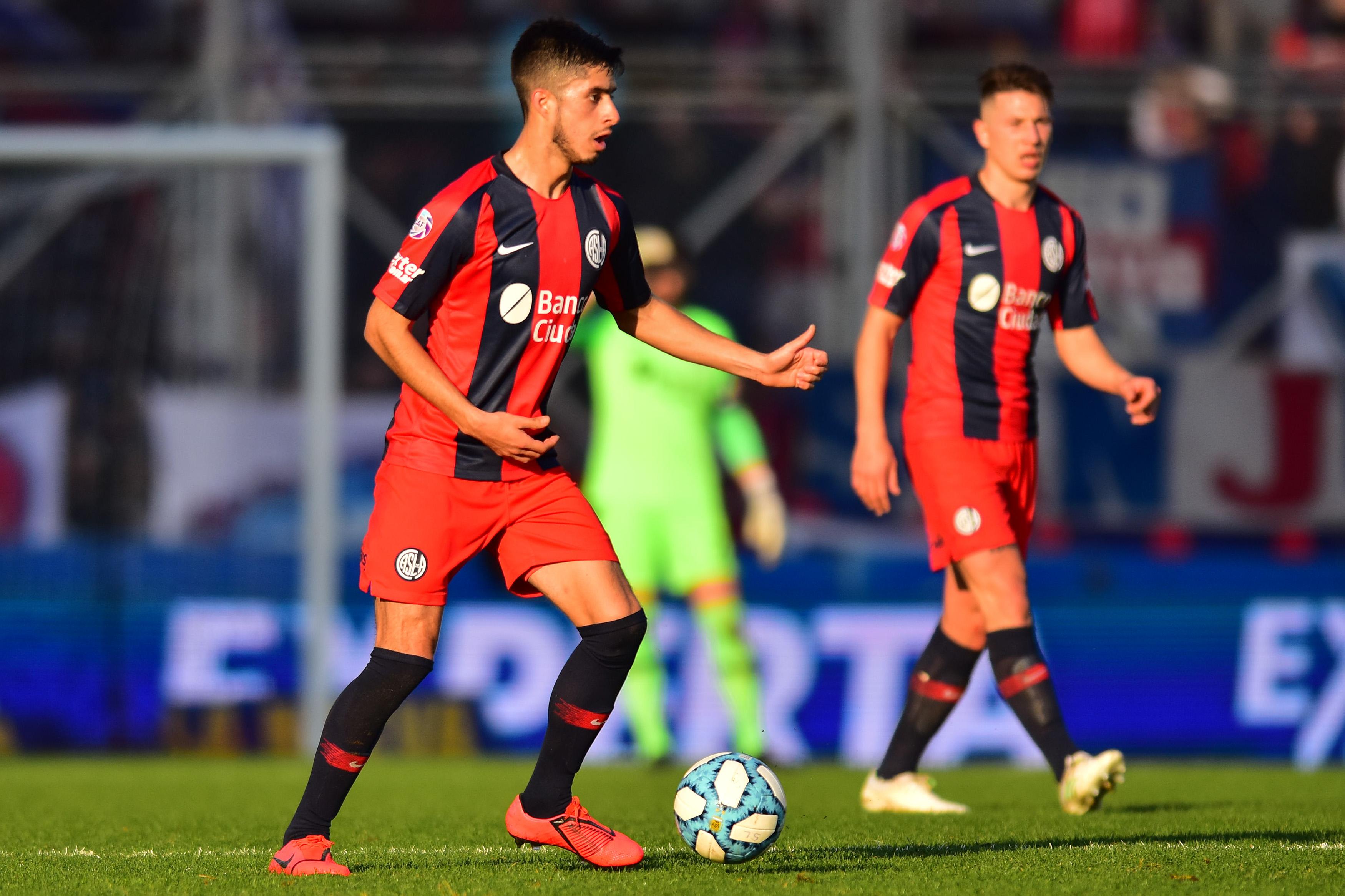 San Lorenzo v Godoy Cruz - Superliga Argentina 2019/20