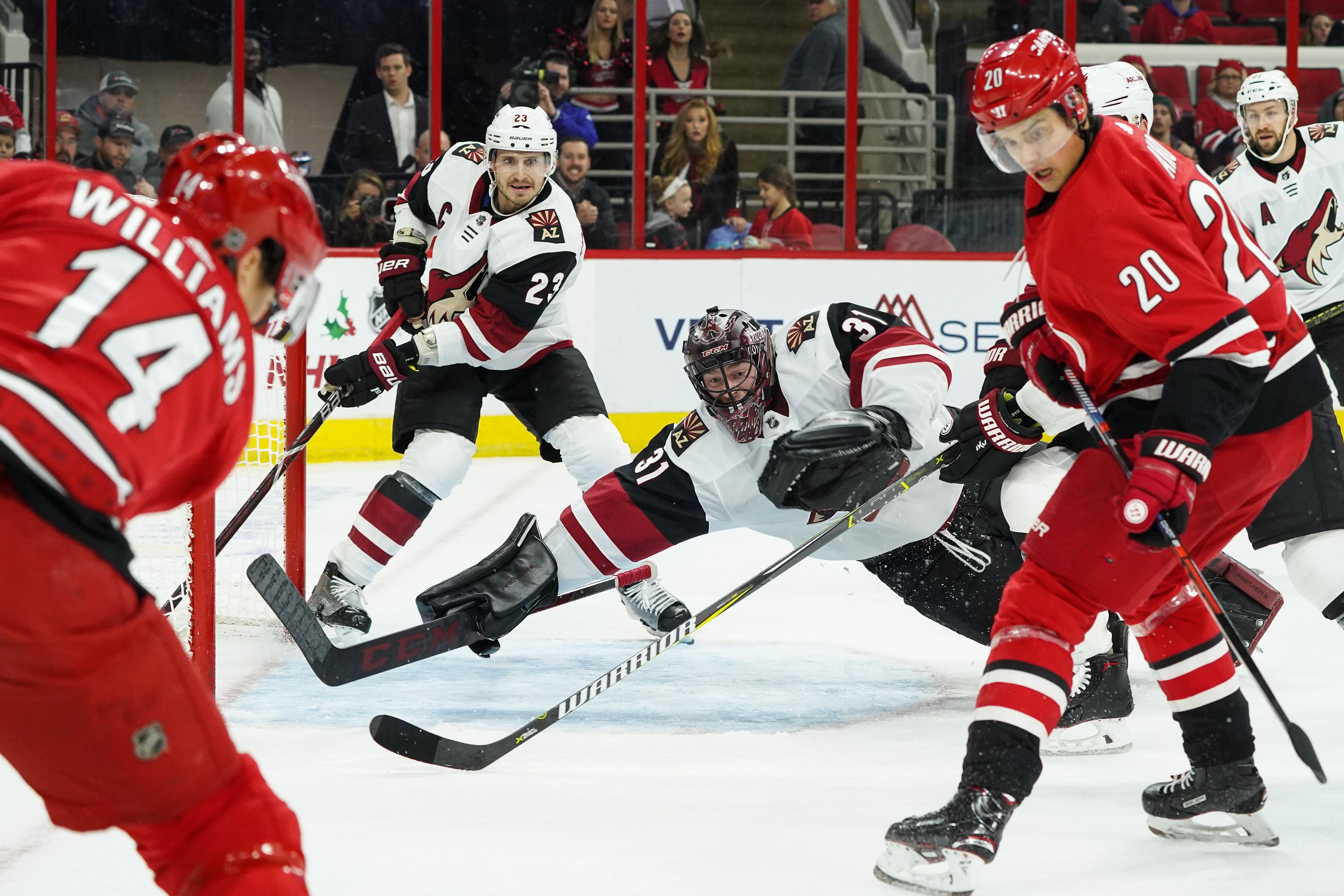 NHL: DEC 16 Coyotes at Hurricanes