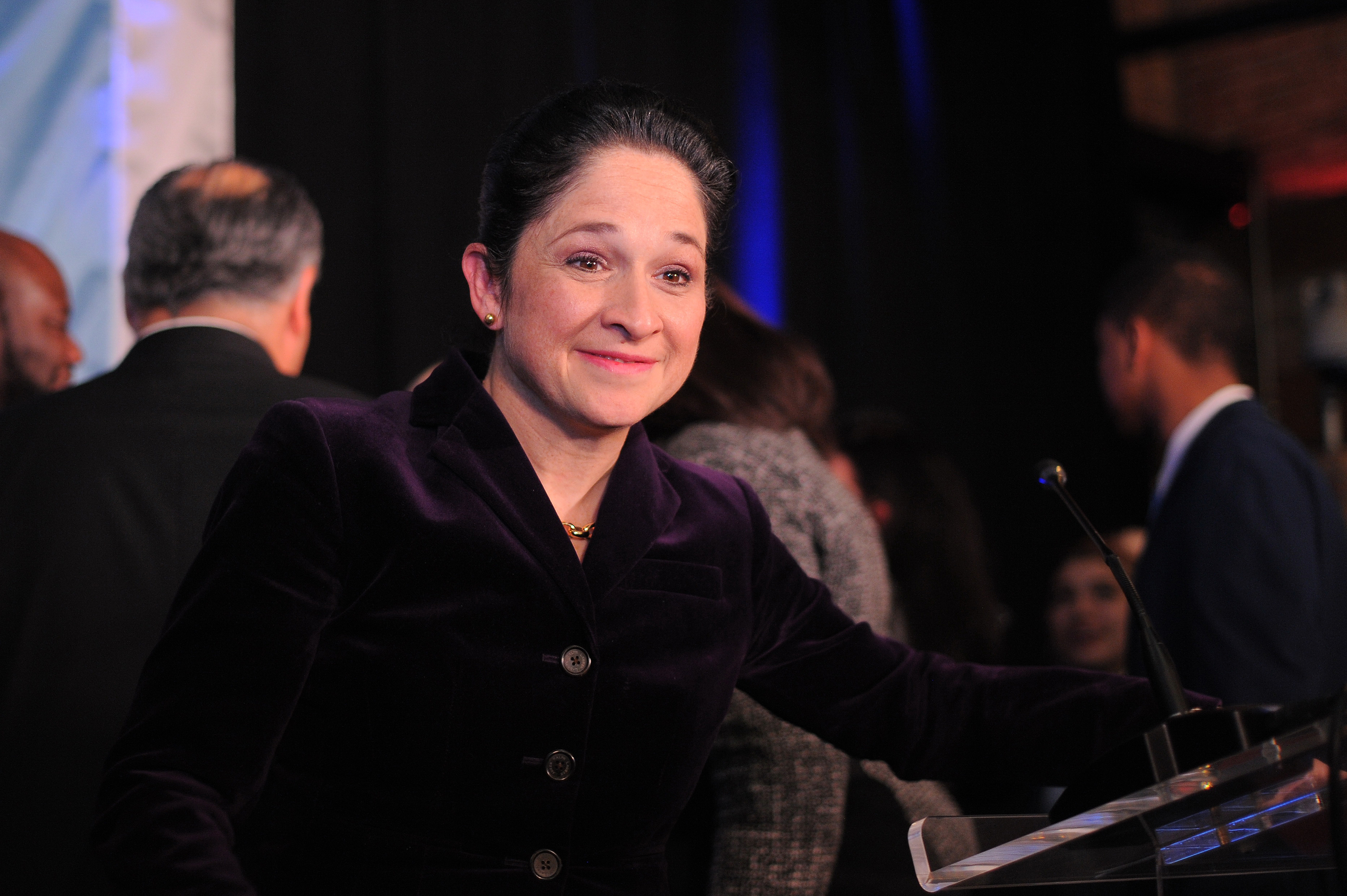 Illinois Comptroller Susana Mendoza has proposed a bill that would allow resigning state legislators to be paid only for days they actually worked in their last month on the job.