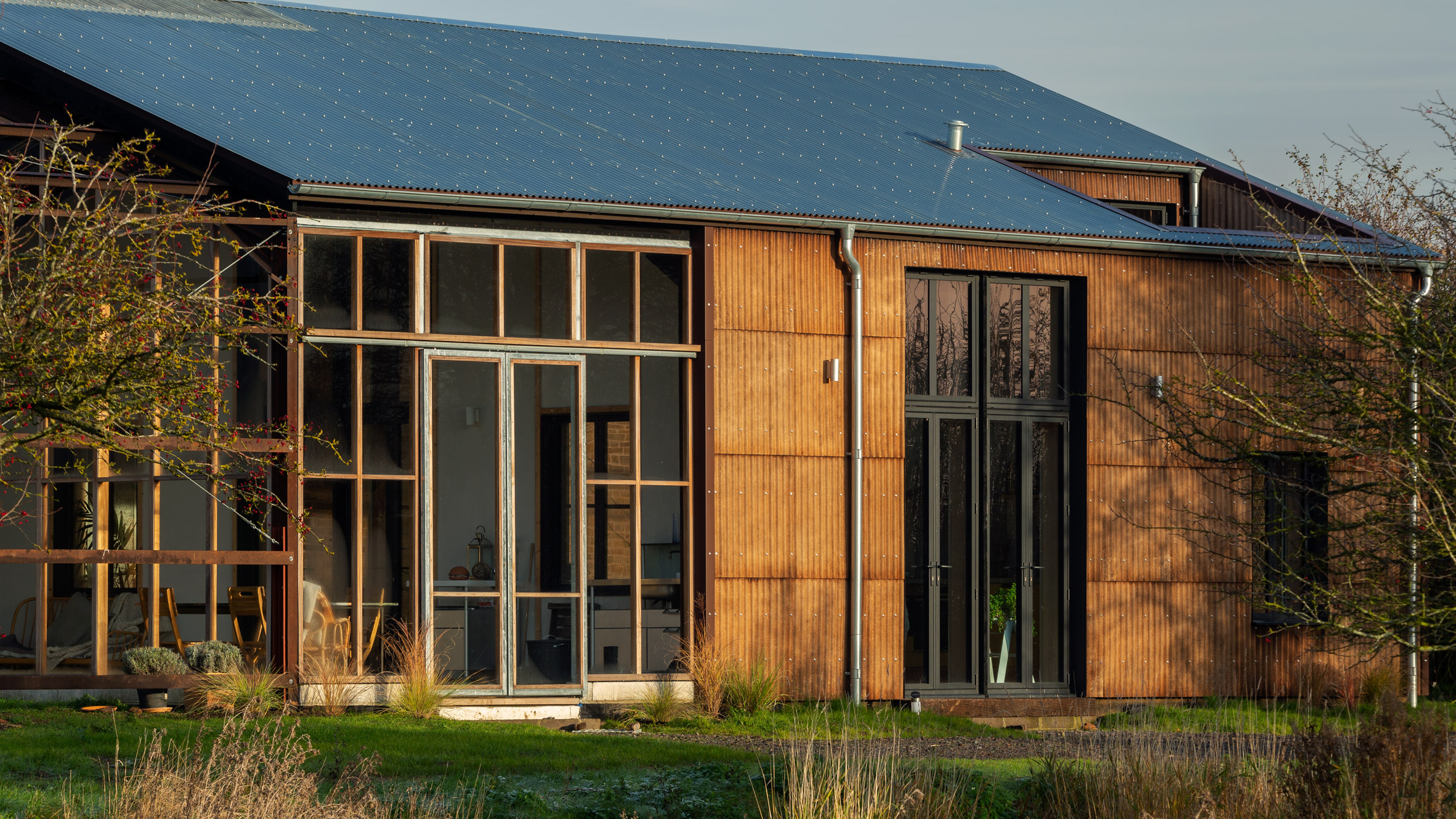 Solar-powered farmhouse makes use of hemp throughout