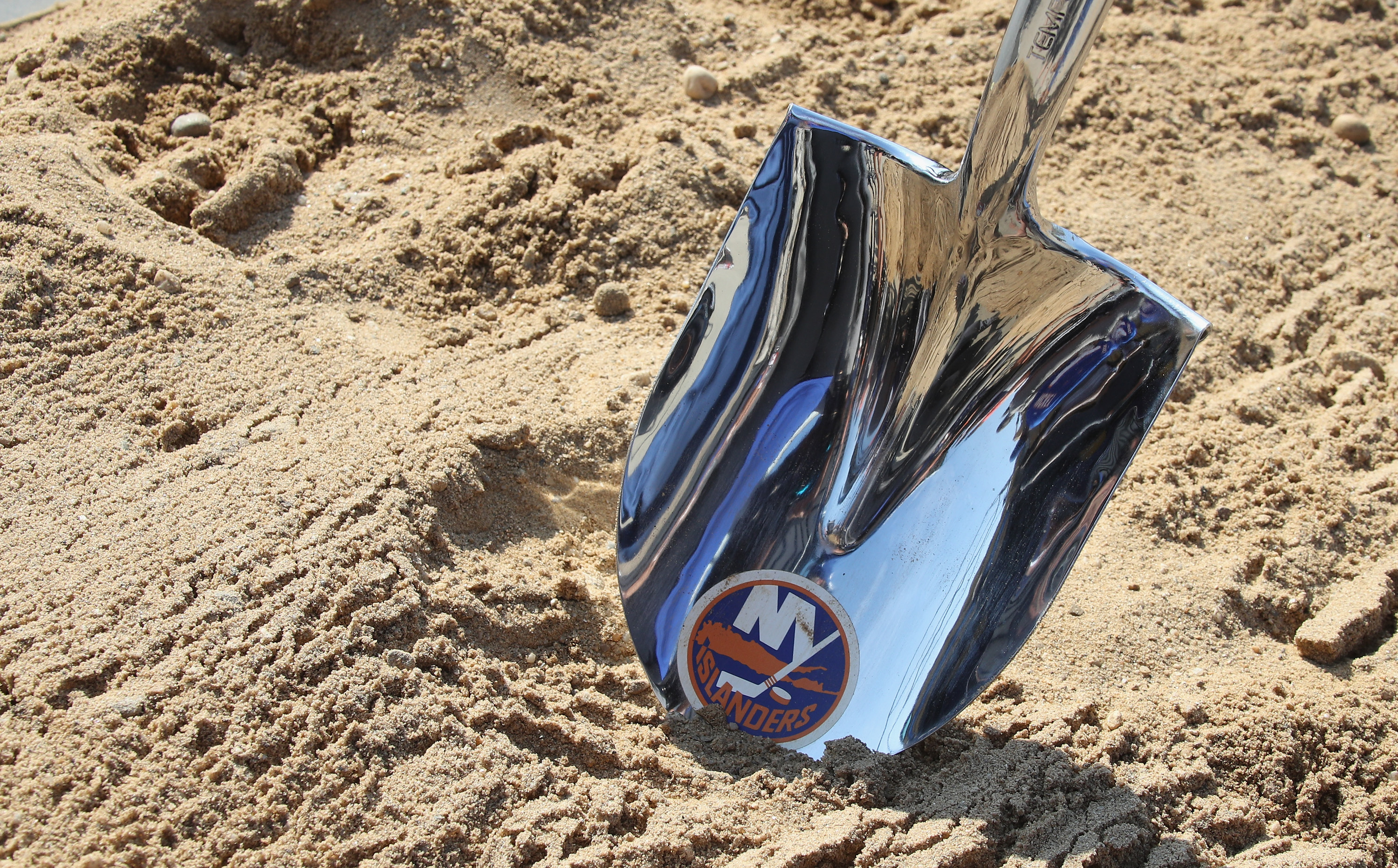 New York Governor Andrew Cuomo Announces Start Of New New York Islanders Arena At Belmont Park