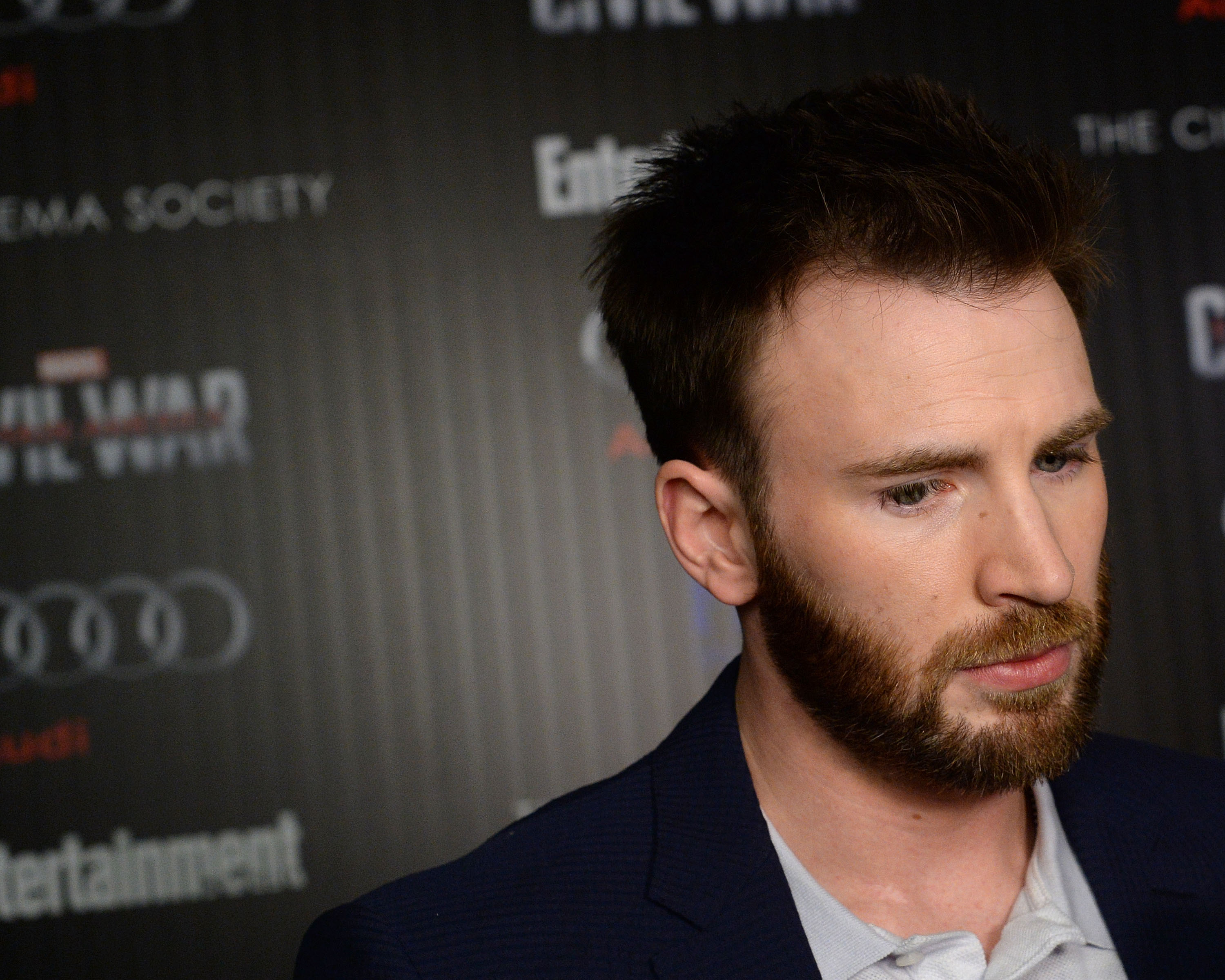 Actor Chris Evans attends a screening of Marvel's 'Captain America: Civil War' in 2016