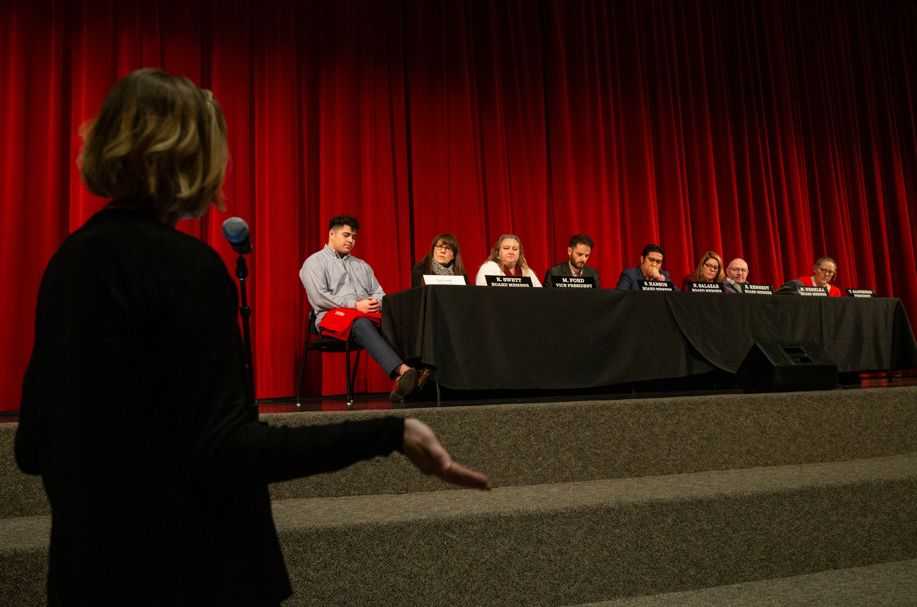 Amanda Longfellow, a parent in the Salt Lake City School District, discusses her concerns about a later start time for high schools during a school board meeting at Northwest Middle School in Salt Lake City on Thursday, Jan. 16, 2020.