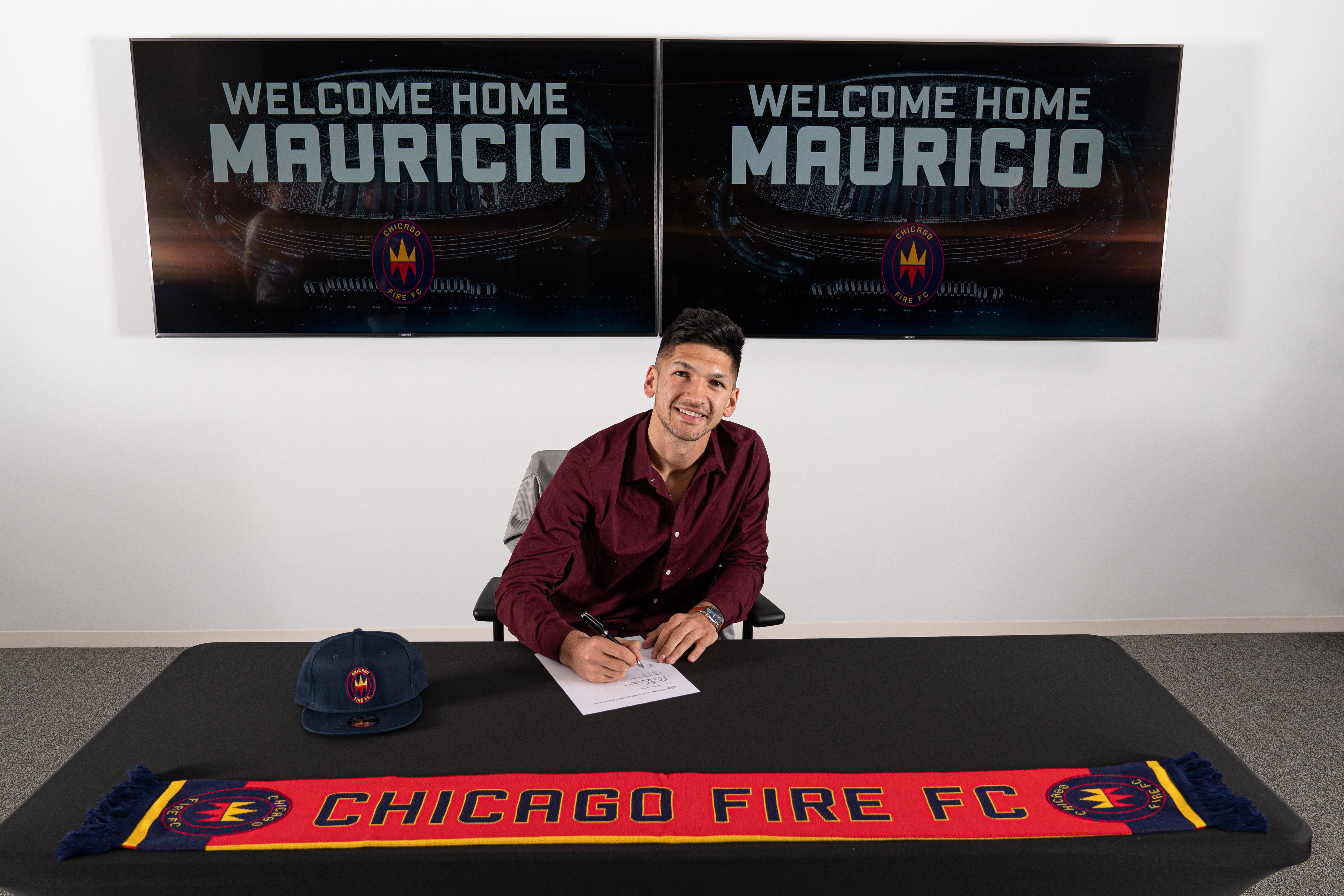 Mauricio Pineda has signed a Homegrown deal with the Fire. He previously played for the University of North Carolina.