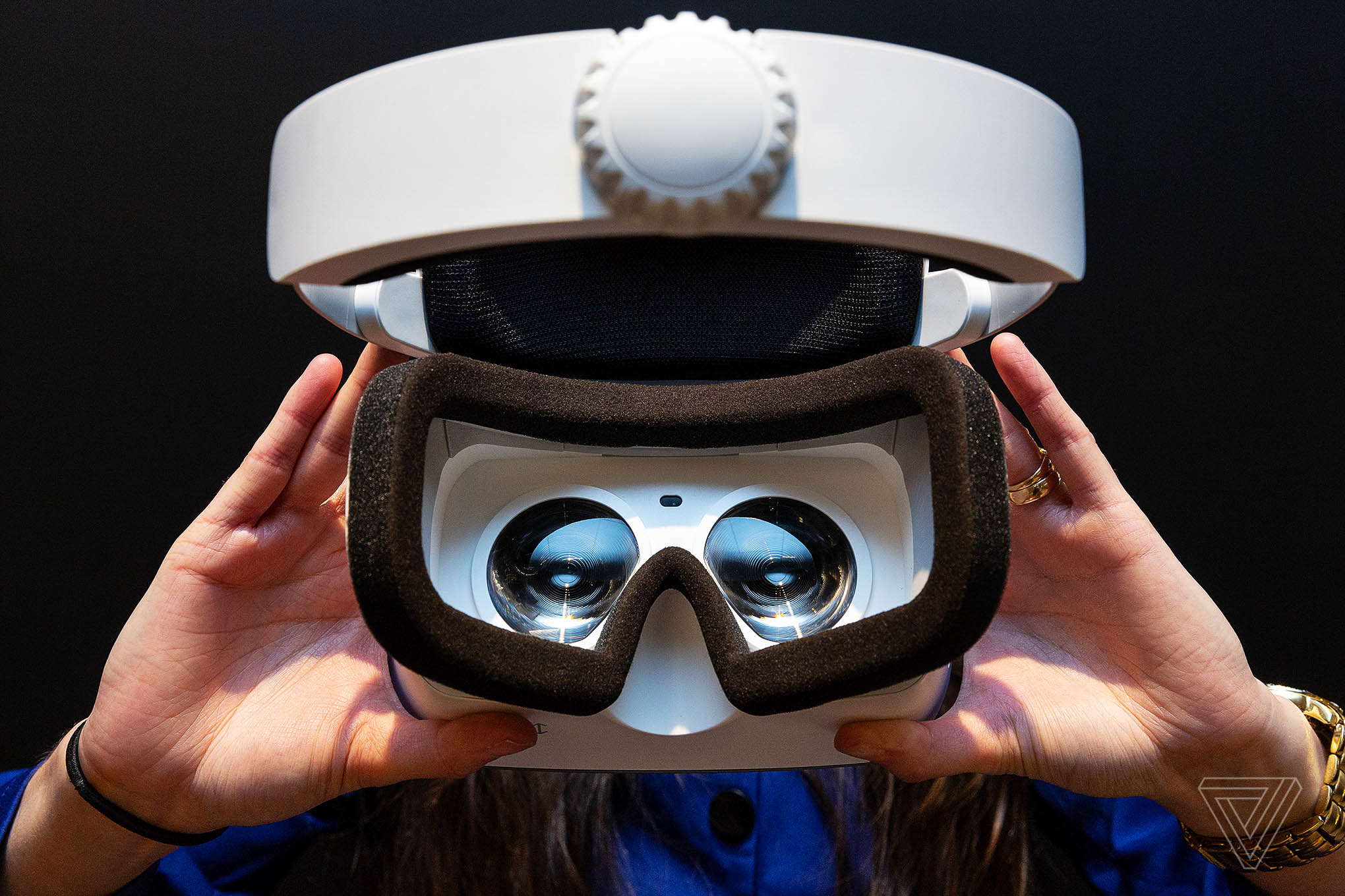 Lenovo создает еще одну VR гарнитуру