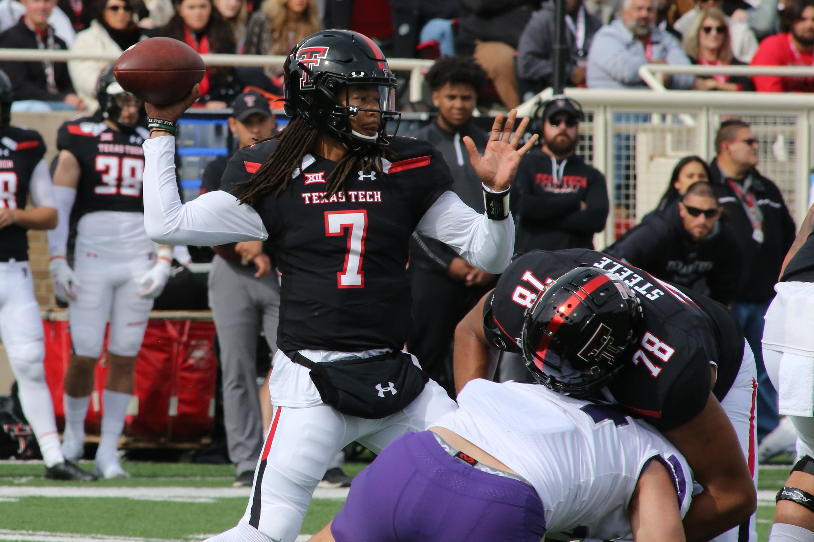NCAA橄榄球赛:德州理工学院的德州基督徒