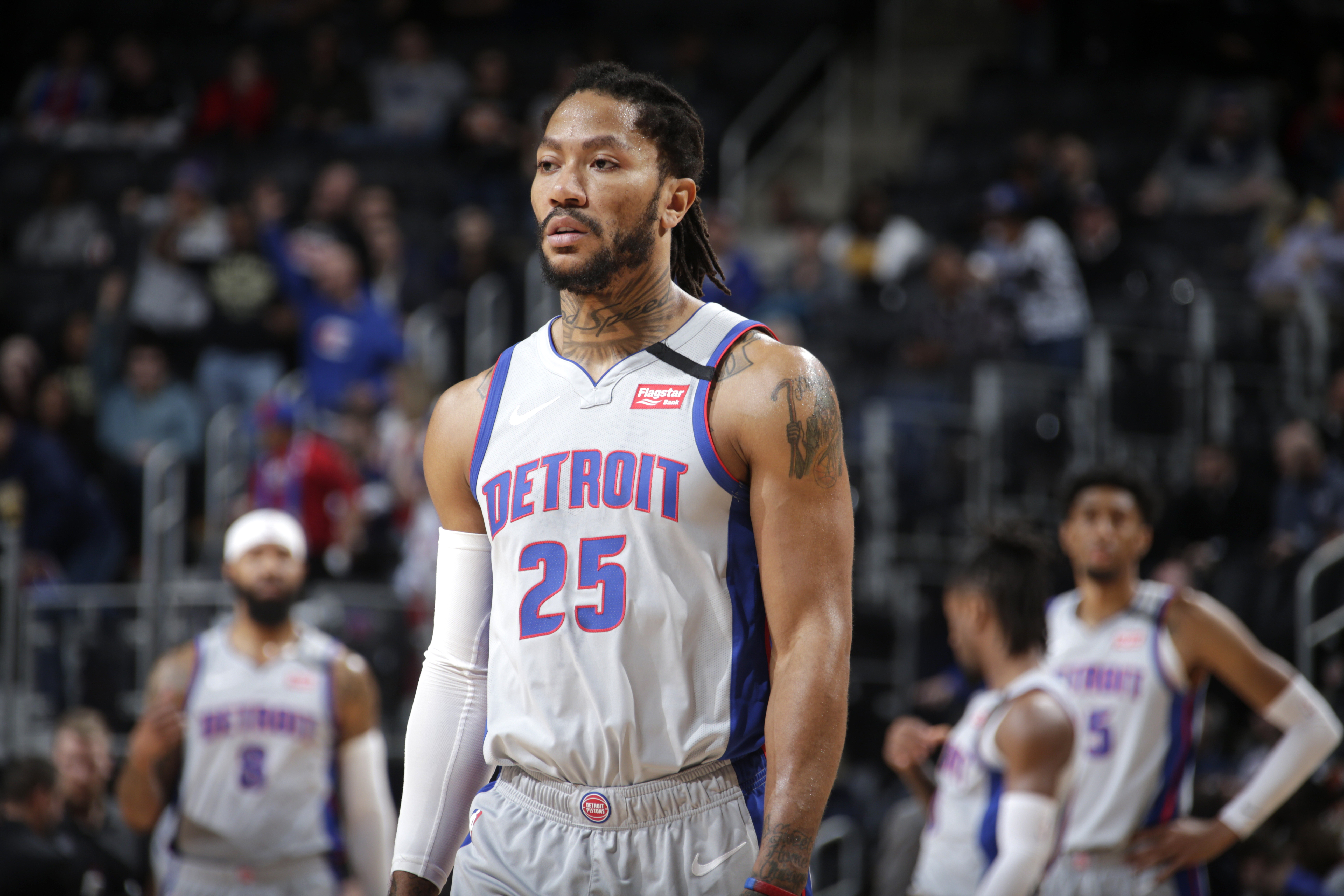 How Derrick Rose fits the Lakers and 76ers in a potential trade