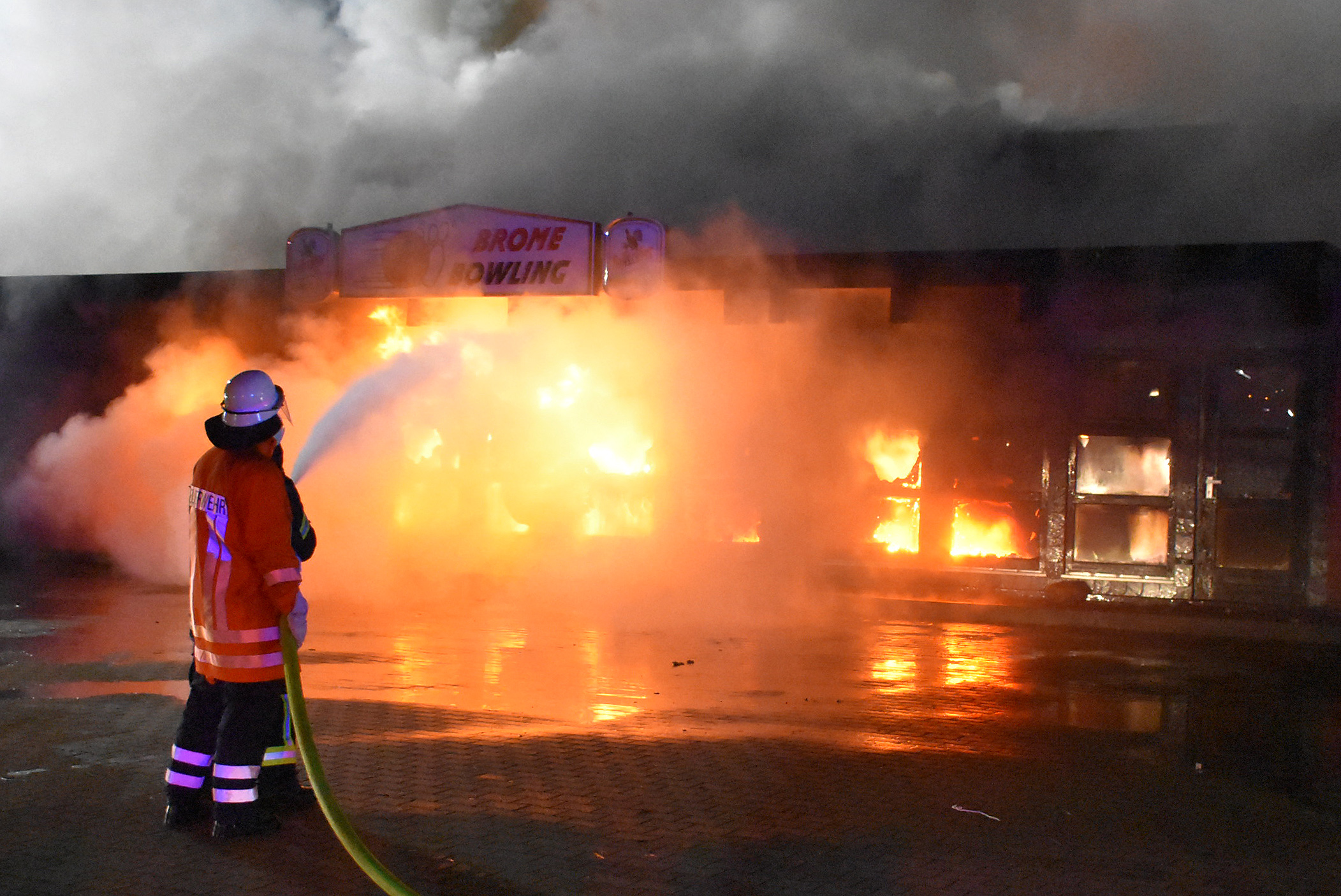 Bowling centre in Brome burnt out