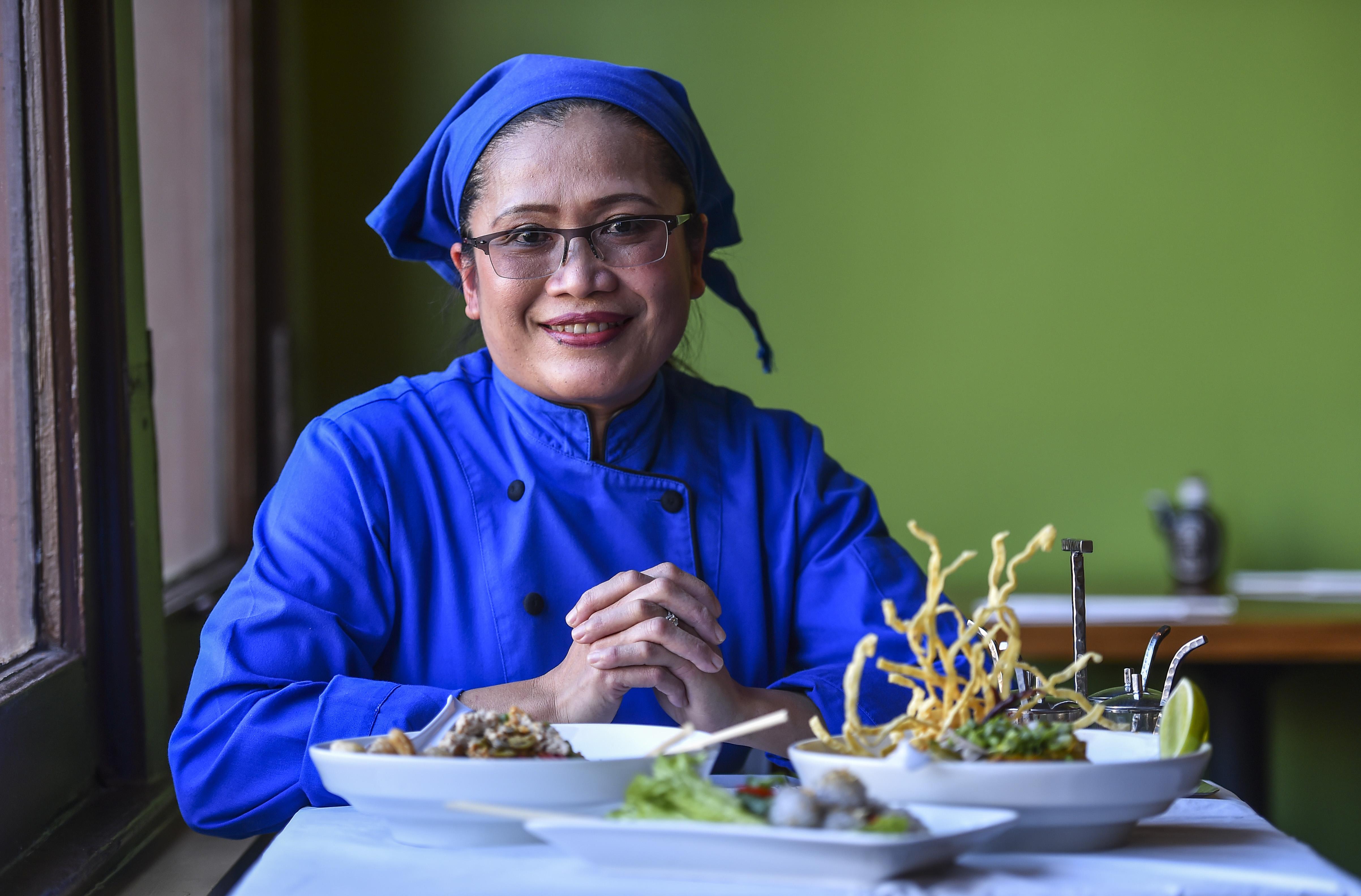 Chef Jeeraporn Poksupthong