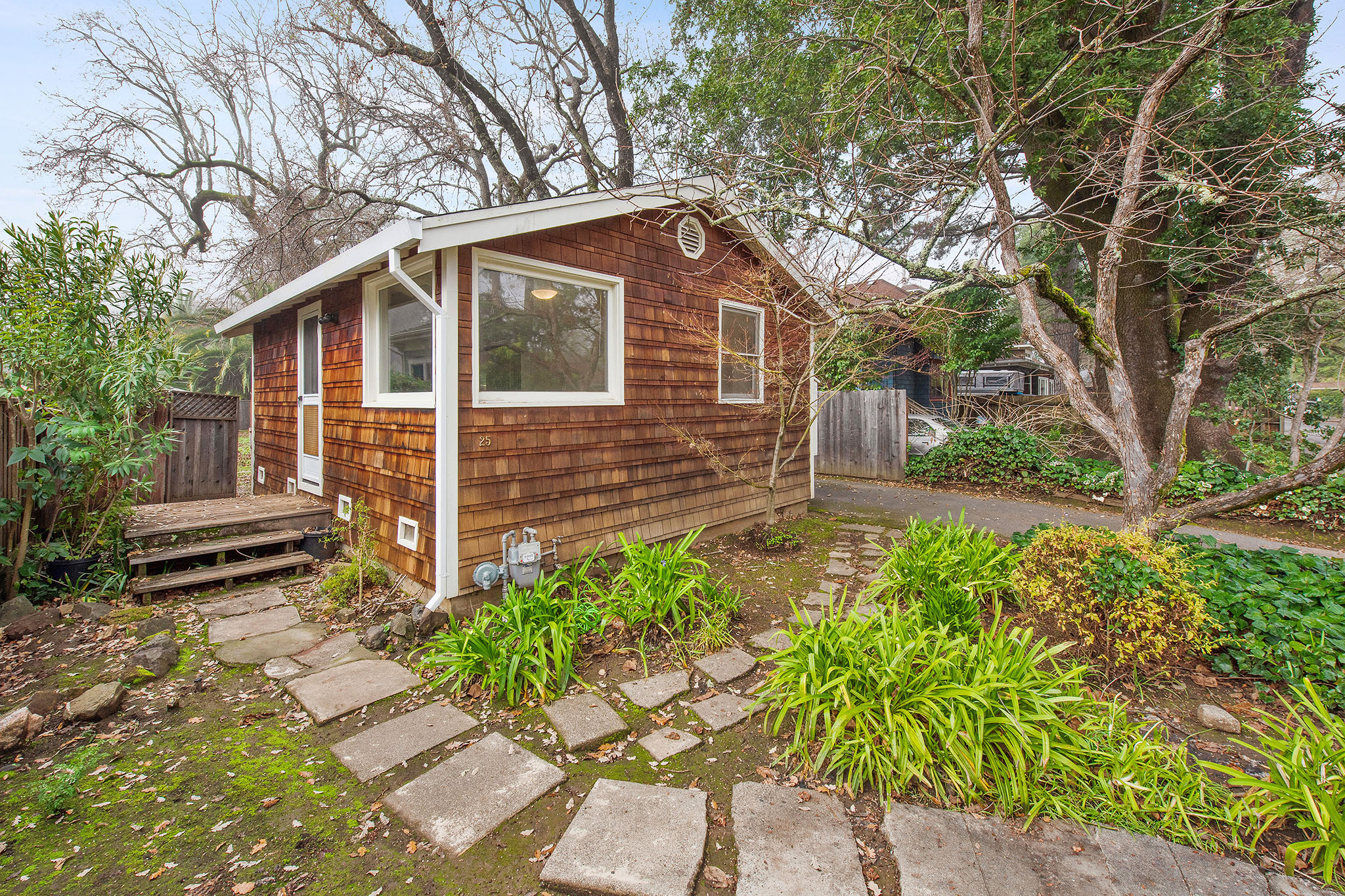 Pint-sized but perfect San Anselmo cottage asks $599K