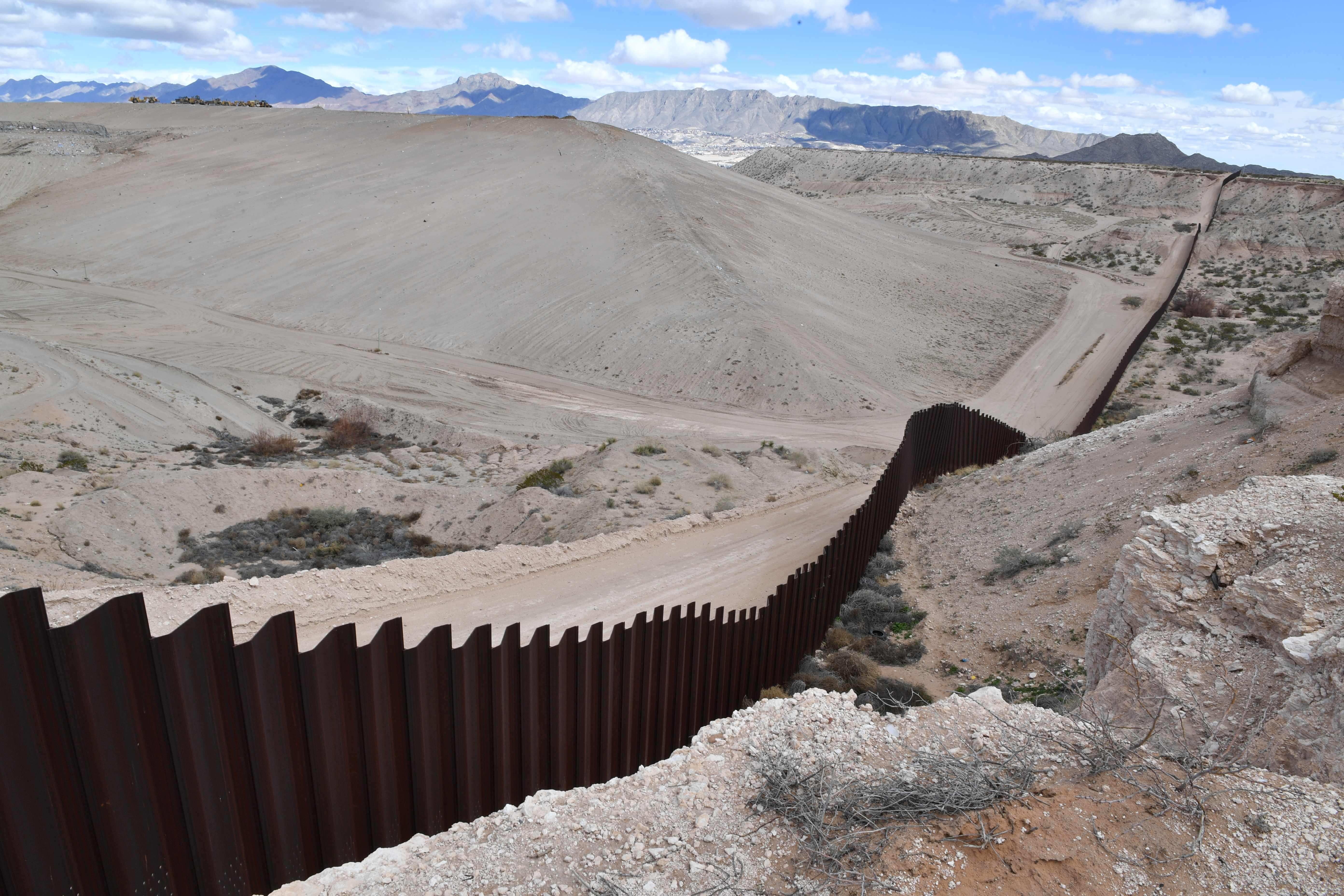 Books you can read about the US-Mexico border instead of American Dirt