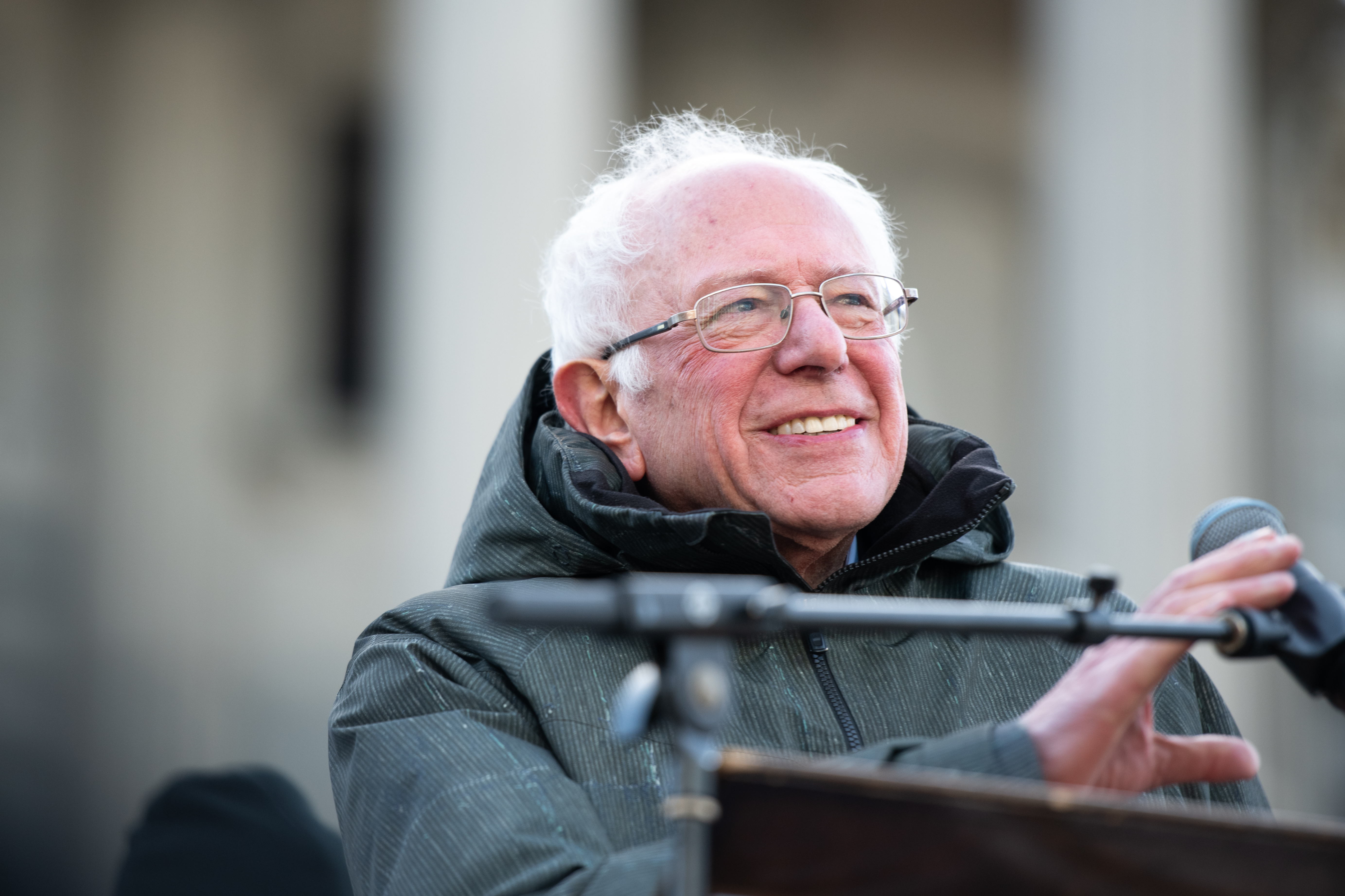 Sanders tops another poll just before the Iowa caucus