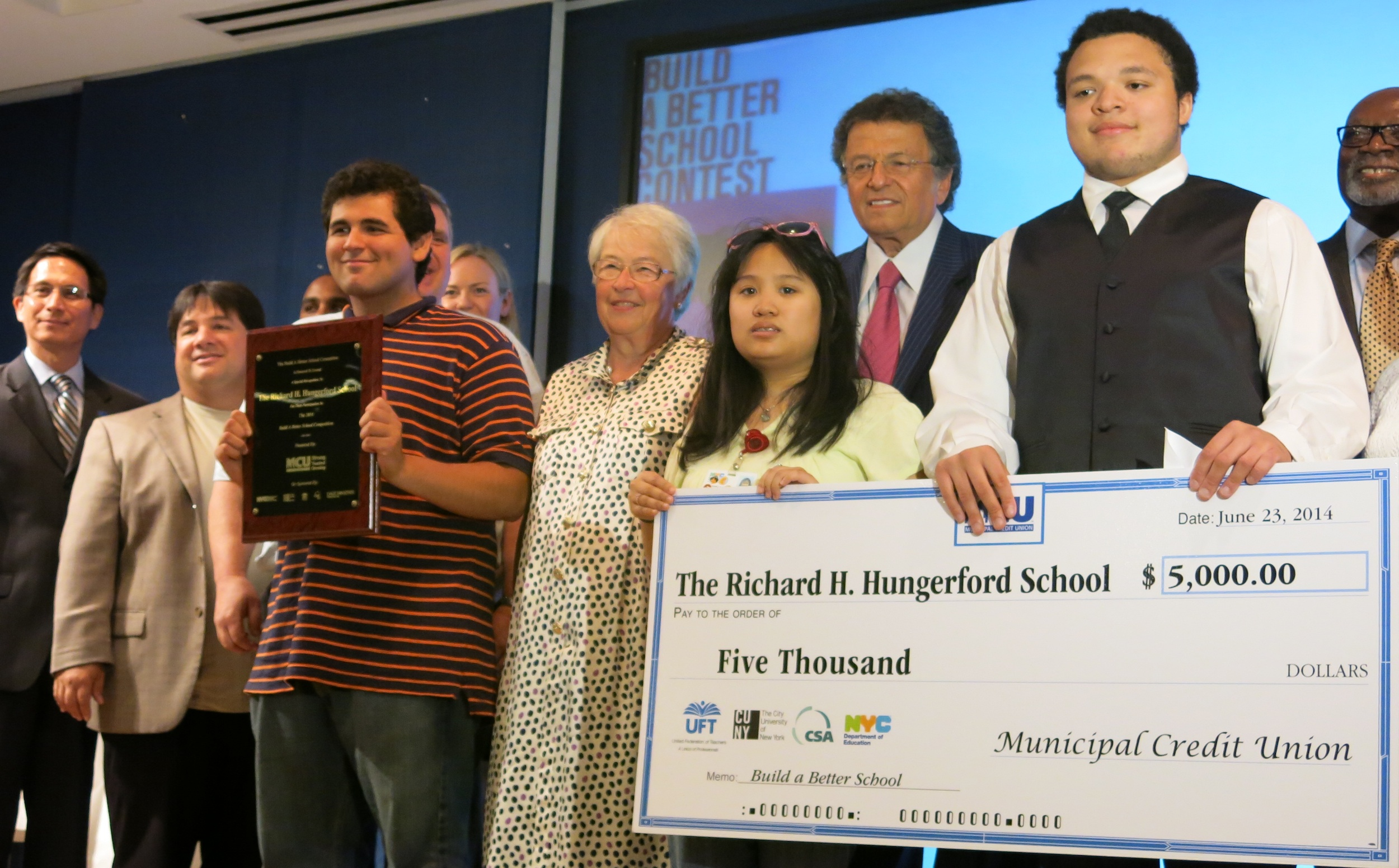 Chancellor Carmen Fariña awarded students at the Hungerford School $5,000 to build a weather station as part of the Build a Better School contest.