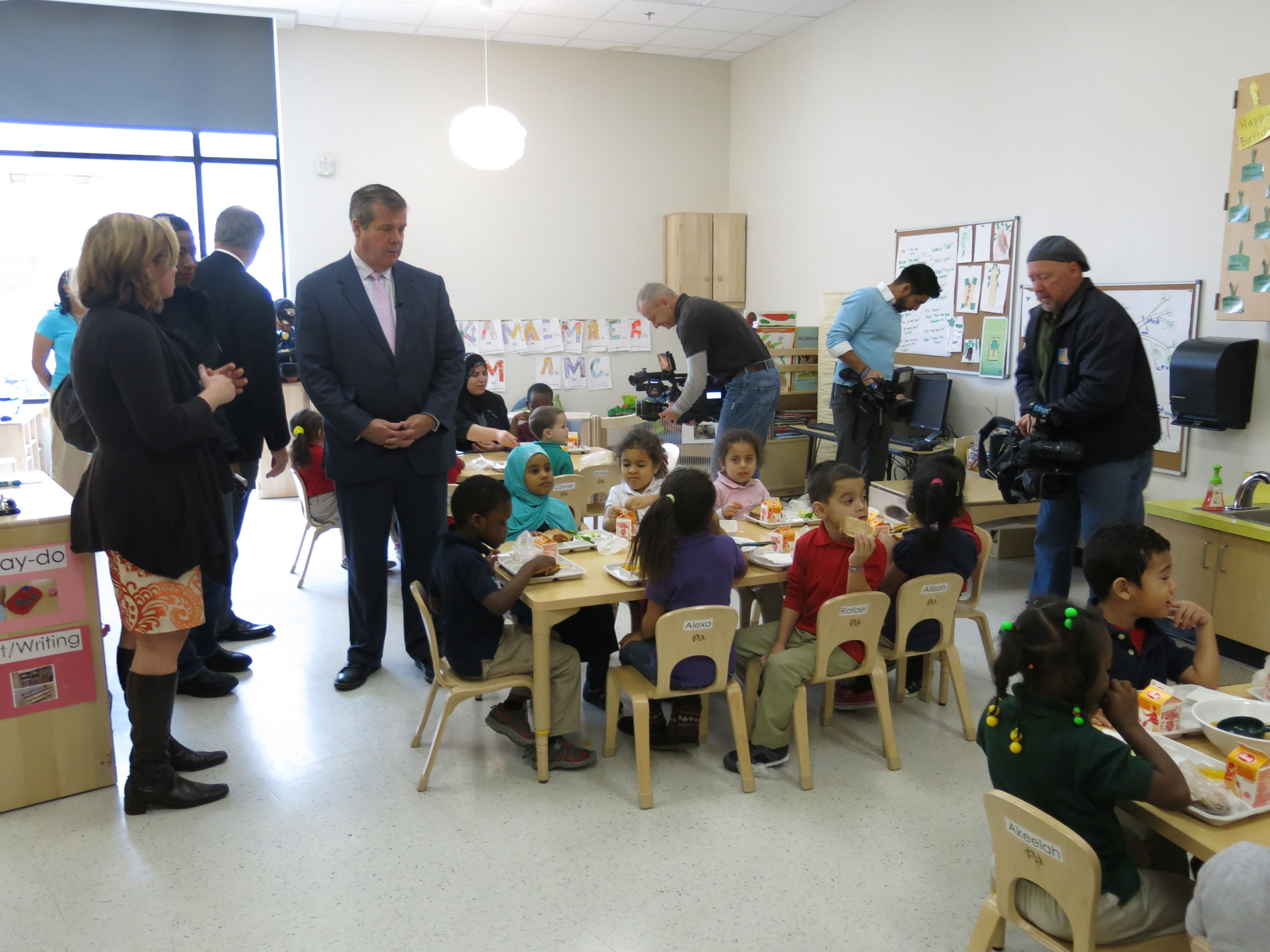 Prekindergarteners at Casa Azafra in Nashville received a recently from Mayor Karl Dean after he announced Tennessee had one a prekindergarten expansion grant.