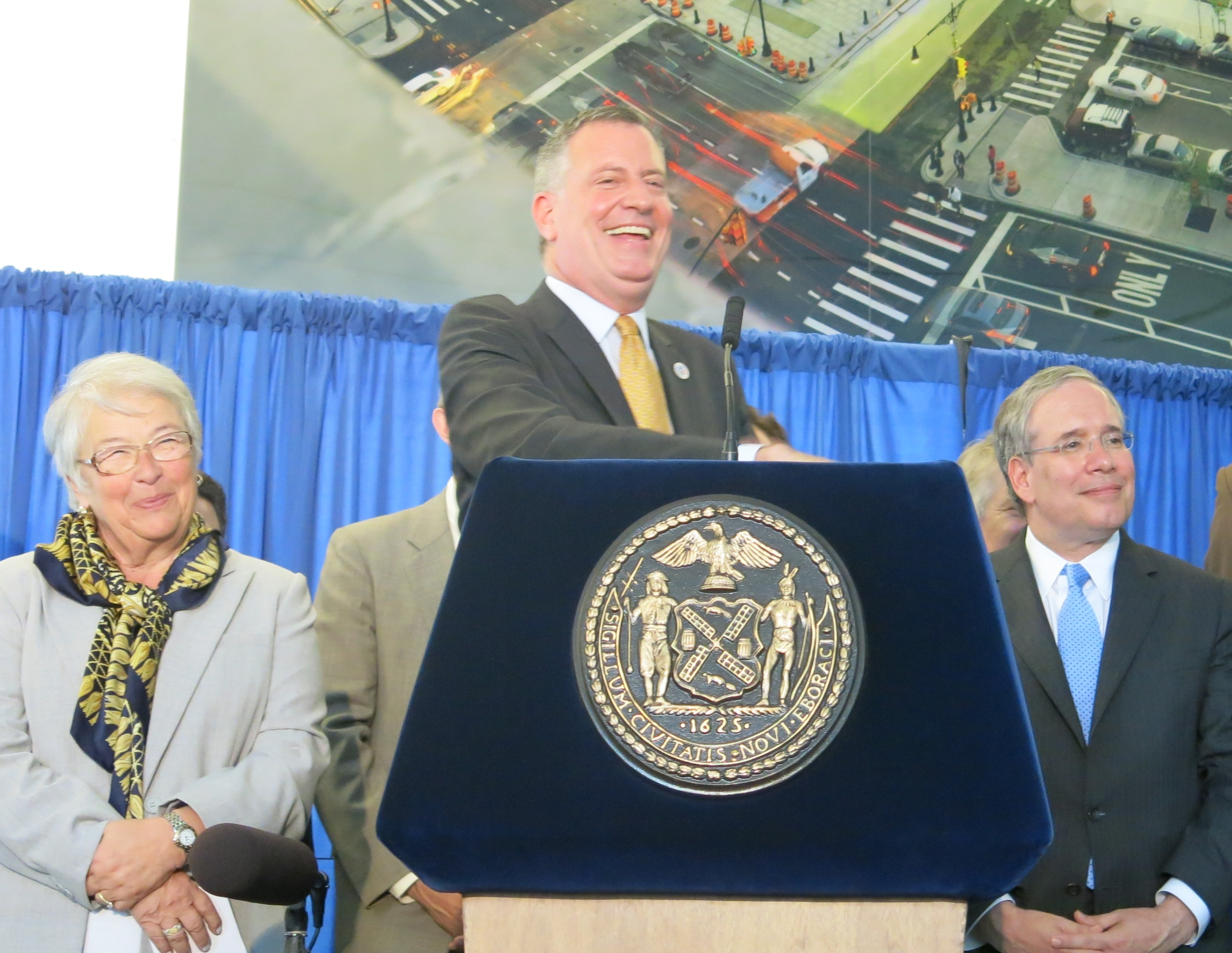 Mayor Bill de Blasio announced how the city would spend an additional $23 million in arts funding at the Bronx Museum of the Arts Tuesday.