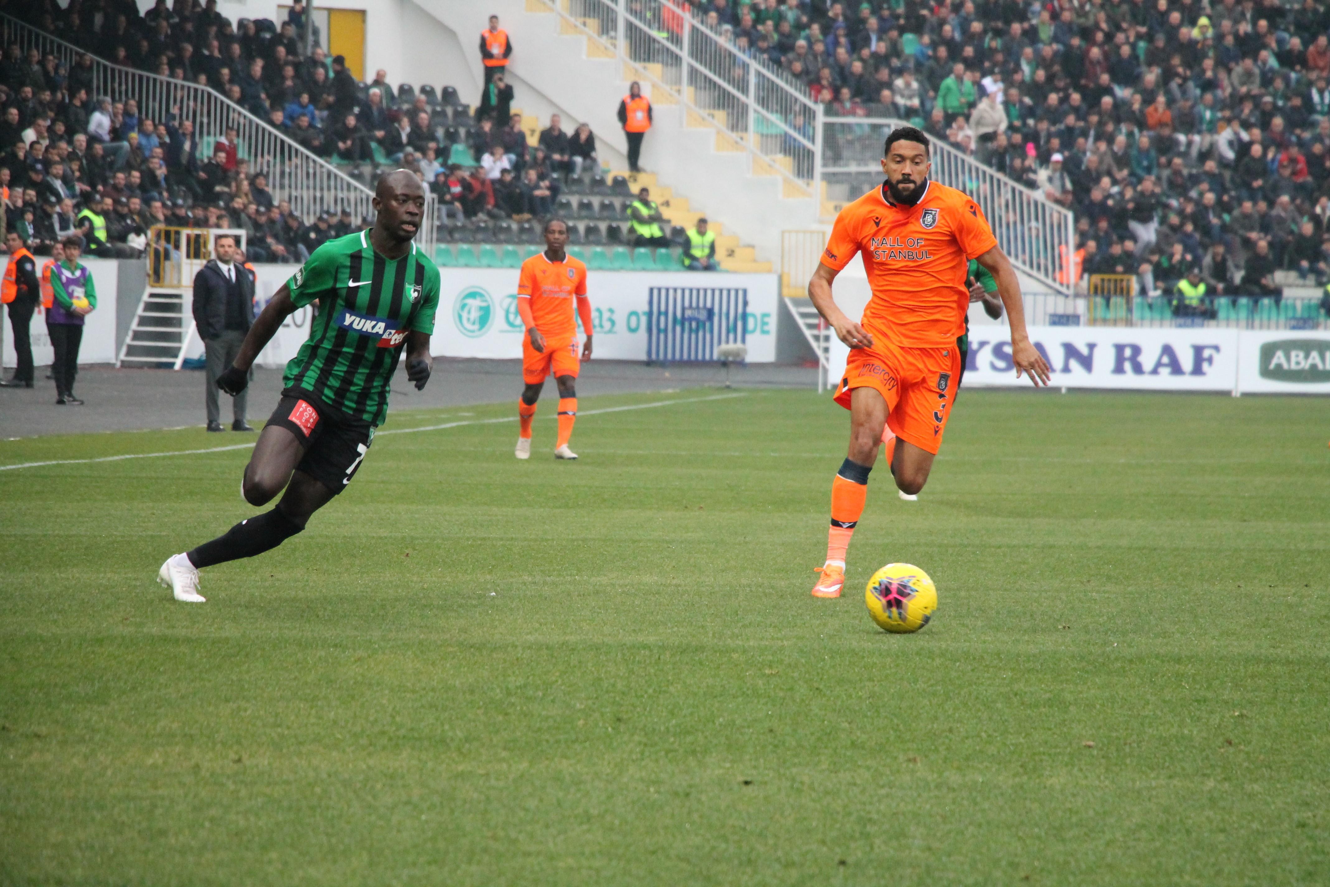 Yukatel Denizlispor v Medipol Basaksehir - Turkish Super Lig